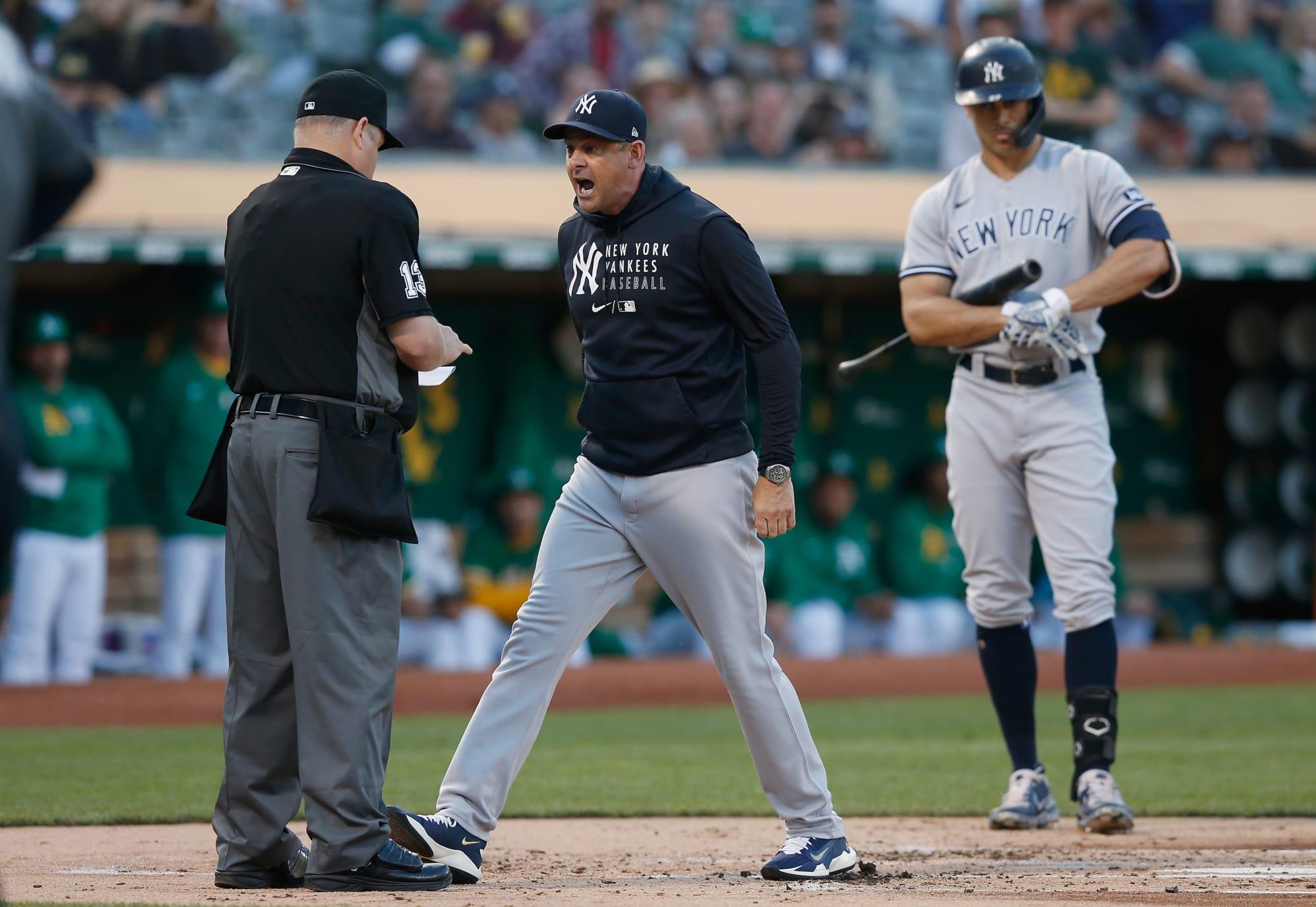 Yankees: Aaron Boone es expulsado después de perder la cabeza con el árbitro (Video)