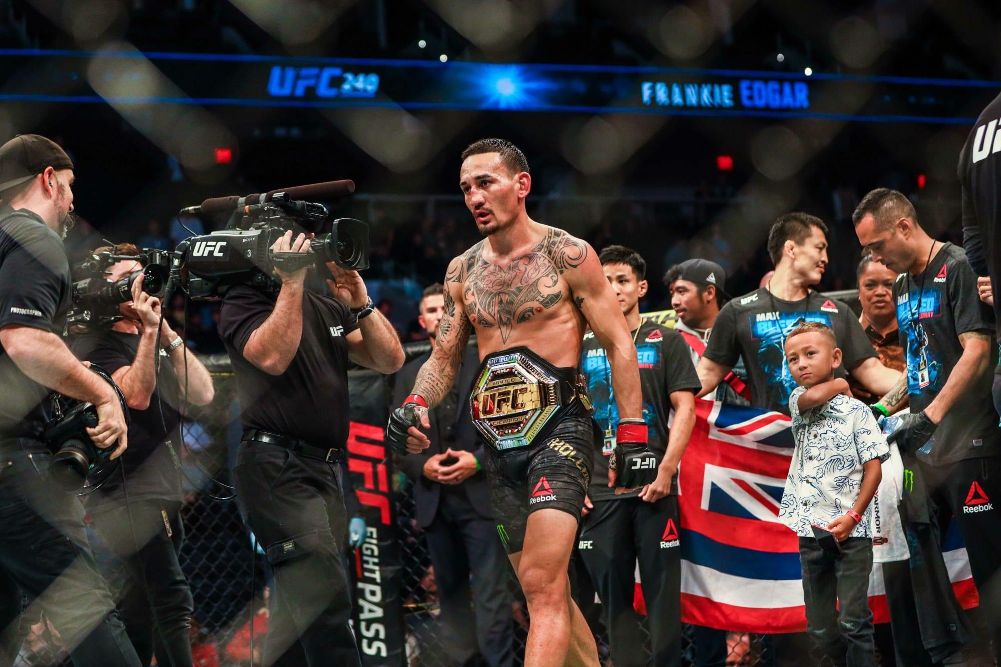 Clasificación de todos los campeones de peso pluma de UFC a lo largo de la historia