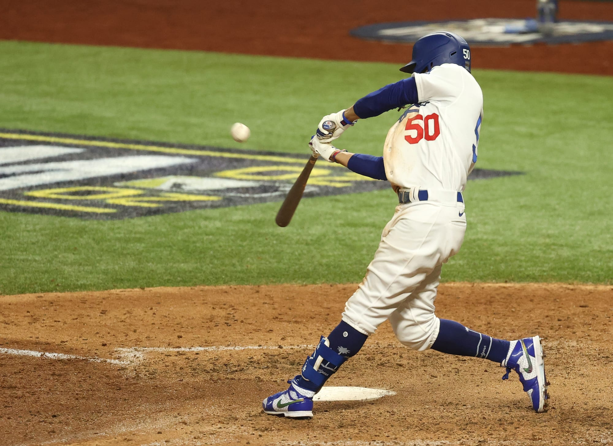 Mookie Betts hits first postseason home run with Dodgers during wild inning (Video)