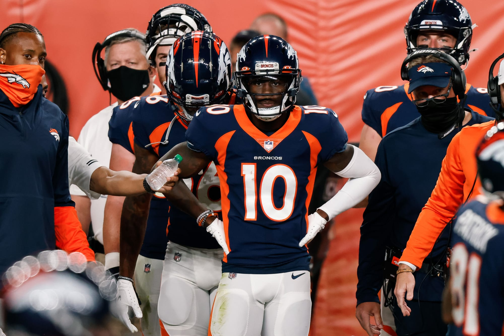 Denver Broncos players complain about having to play without a QB