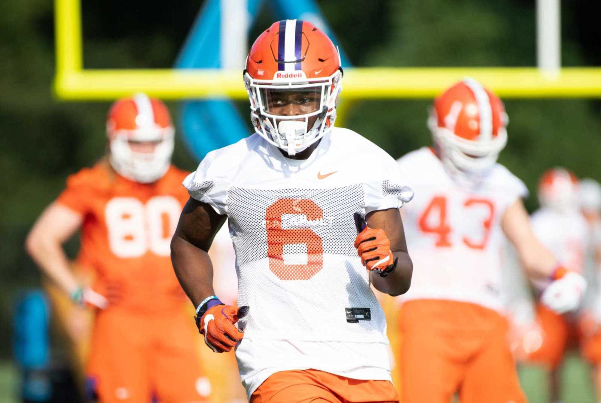 Clemson football: Mike Jones entering transfer portal shakes up Tigers depth chart