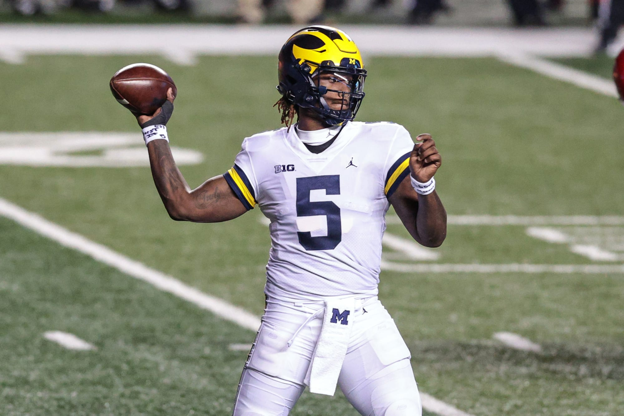 Former Michigan starter Joe Milton transfers to Tennessee, throws wrench into Vols QB plans