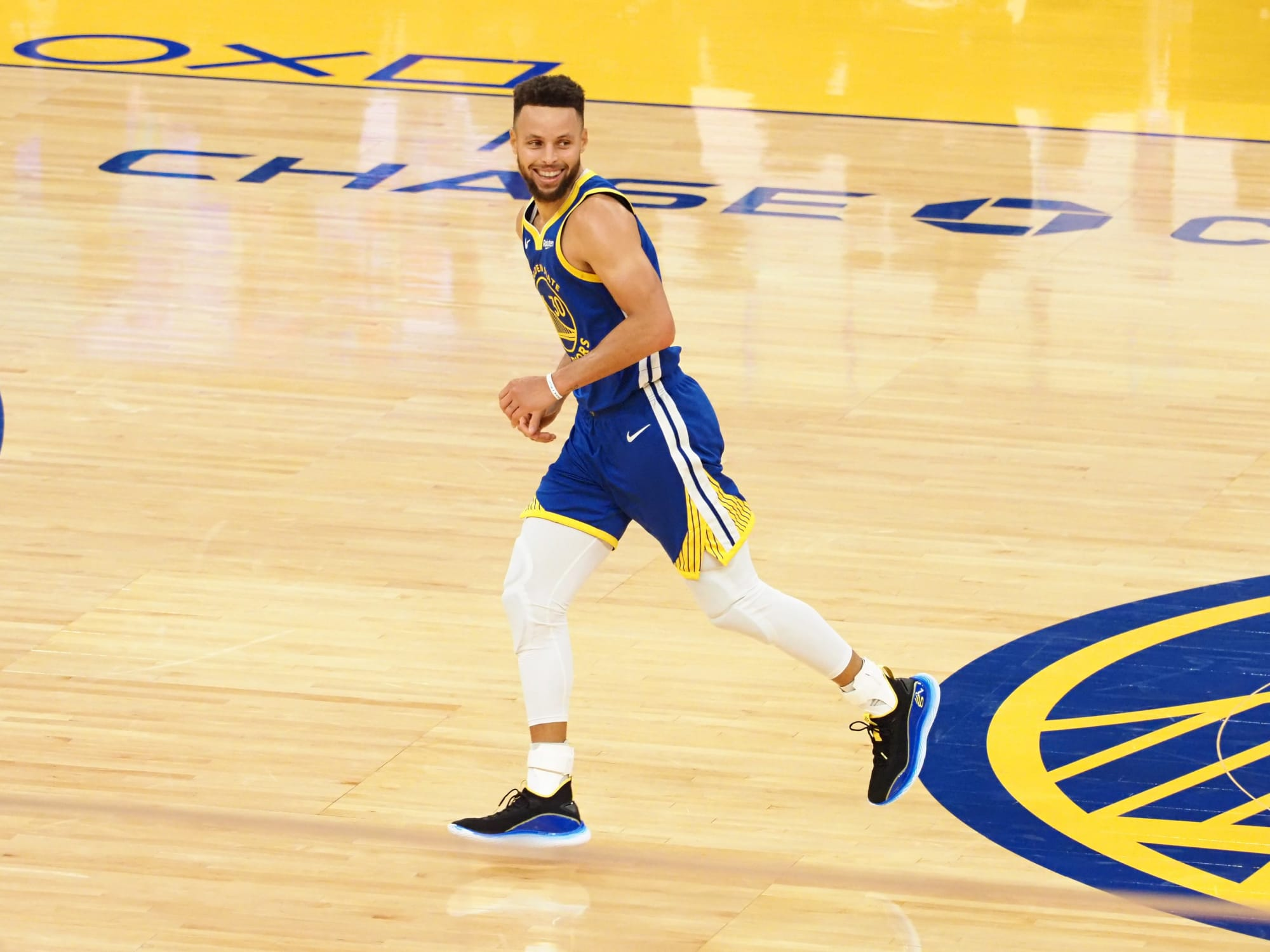 Steph Curry joins Michael Jordan in exclusive scoring category