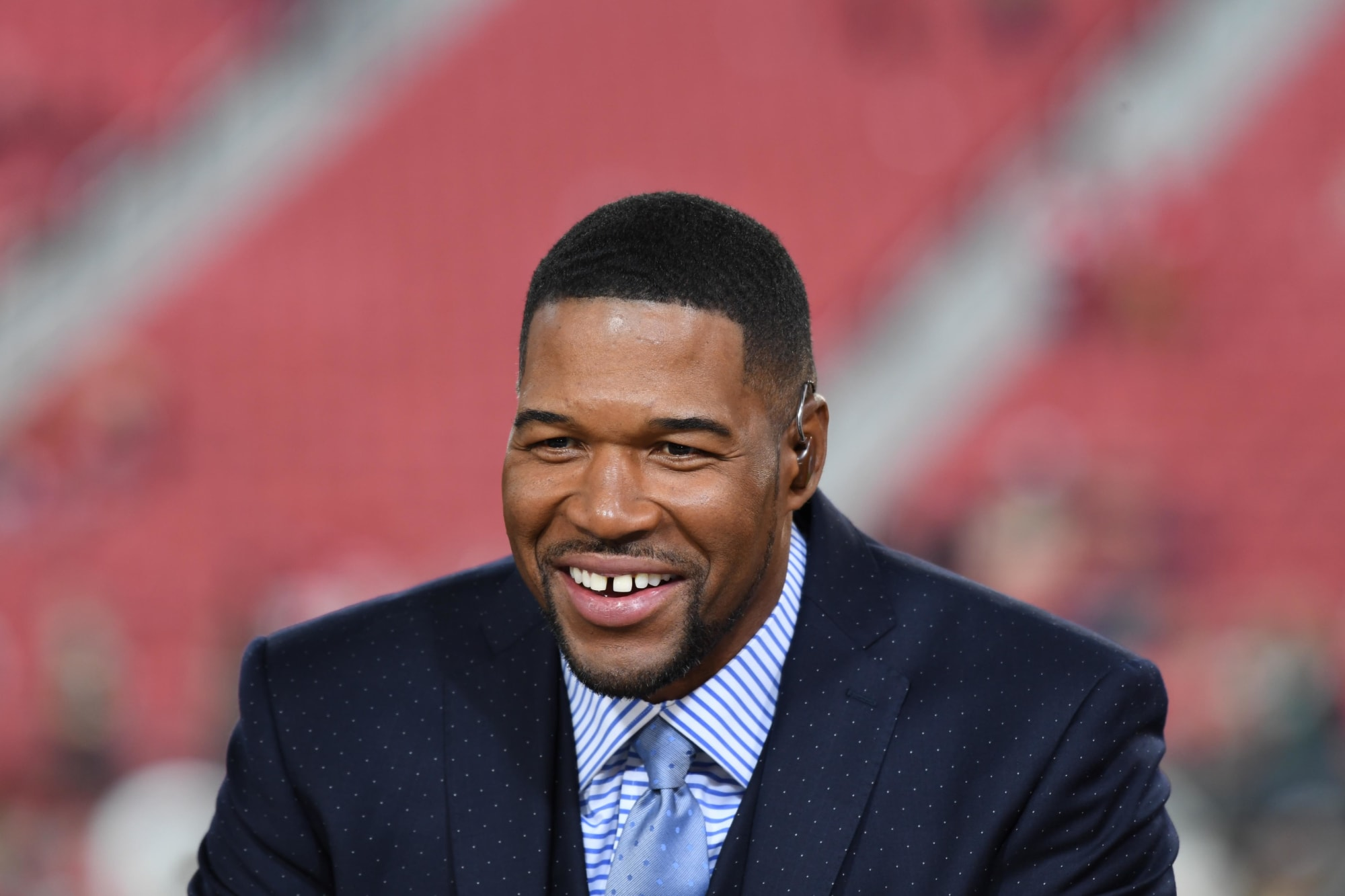 Look: Michael Strahan shows off smile after fixing trademark gap tooth