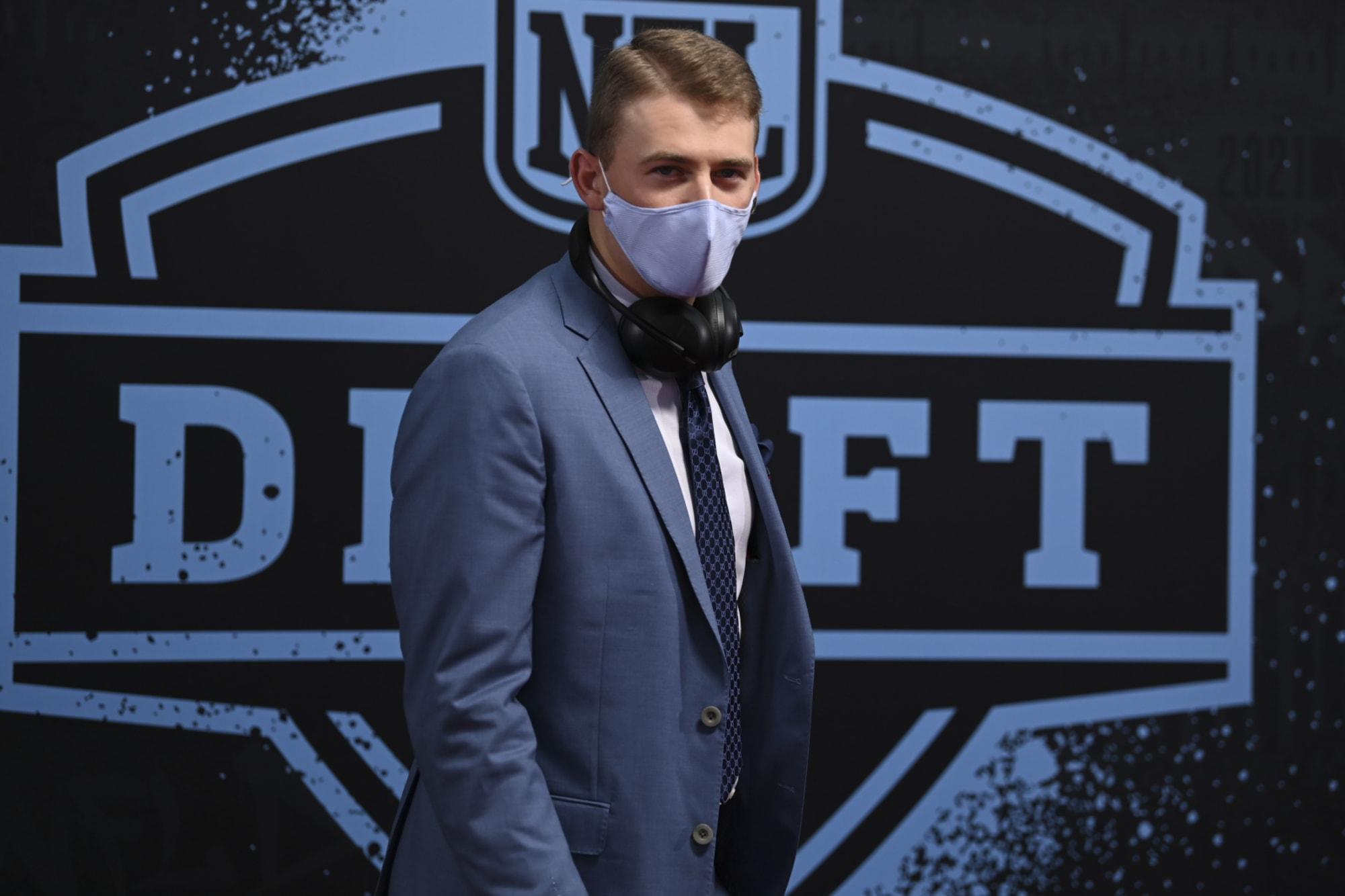 Auburn football fans react to Patriots' first photos of Mac Jones