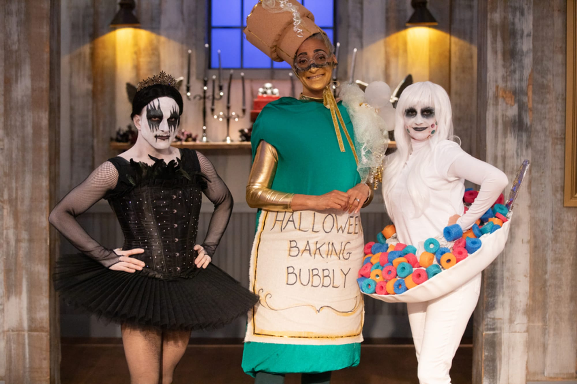 Who Is The Host Of The 2020 Halloween Baking Championship Halloween Baking Championship Season 6 premiere: Welcome home?