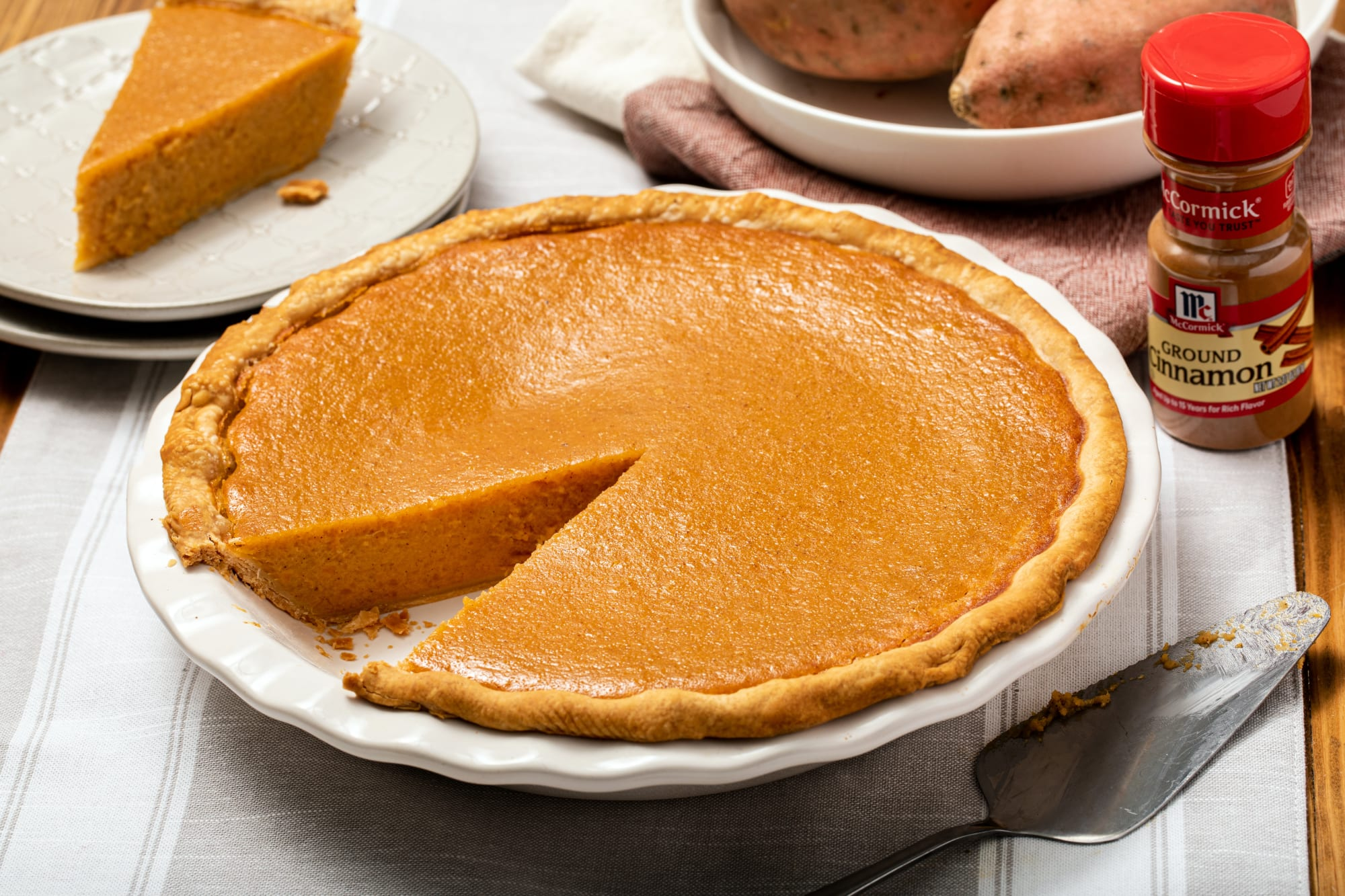 Anthony Anderson shares the secret to his tasty sweet potato pie recipe