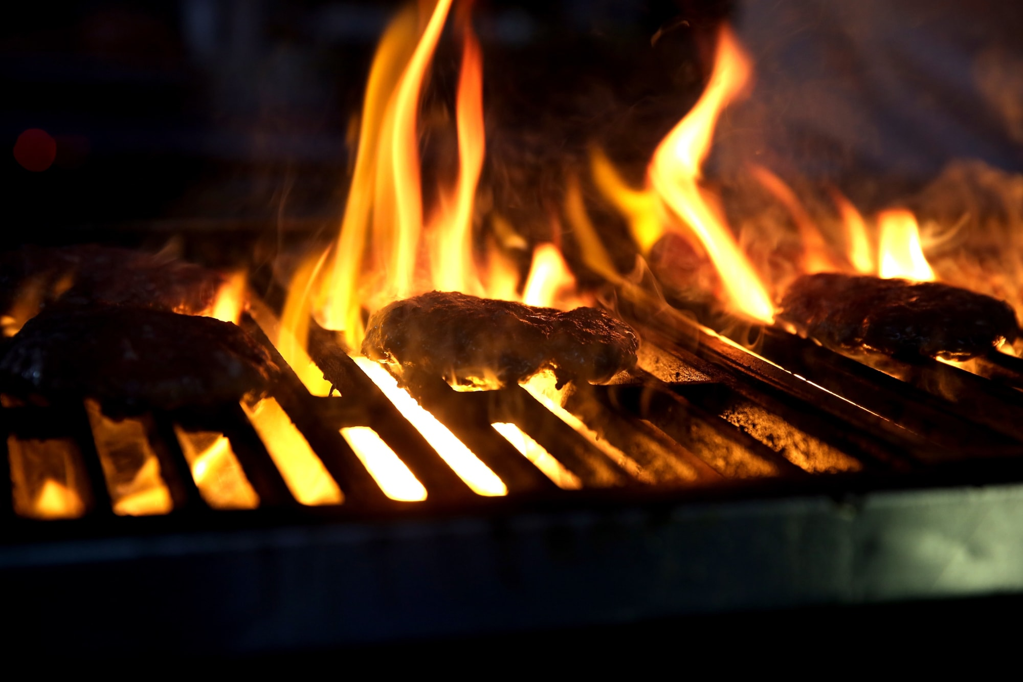 Grilling the most delicious burger is all about controlling the variables