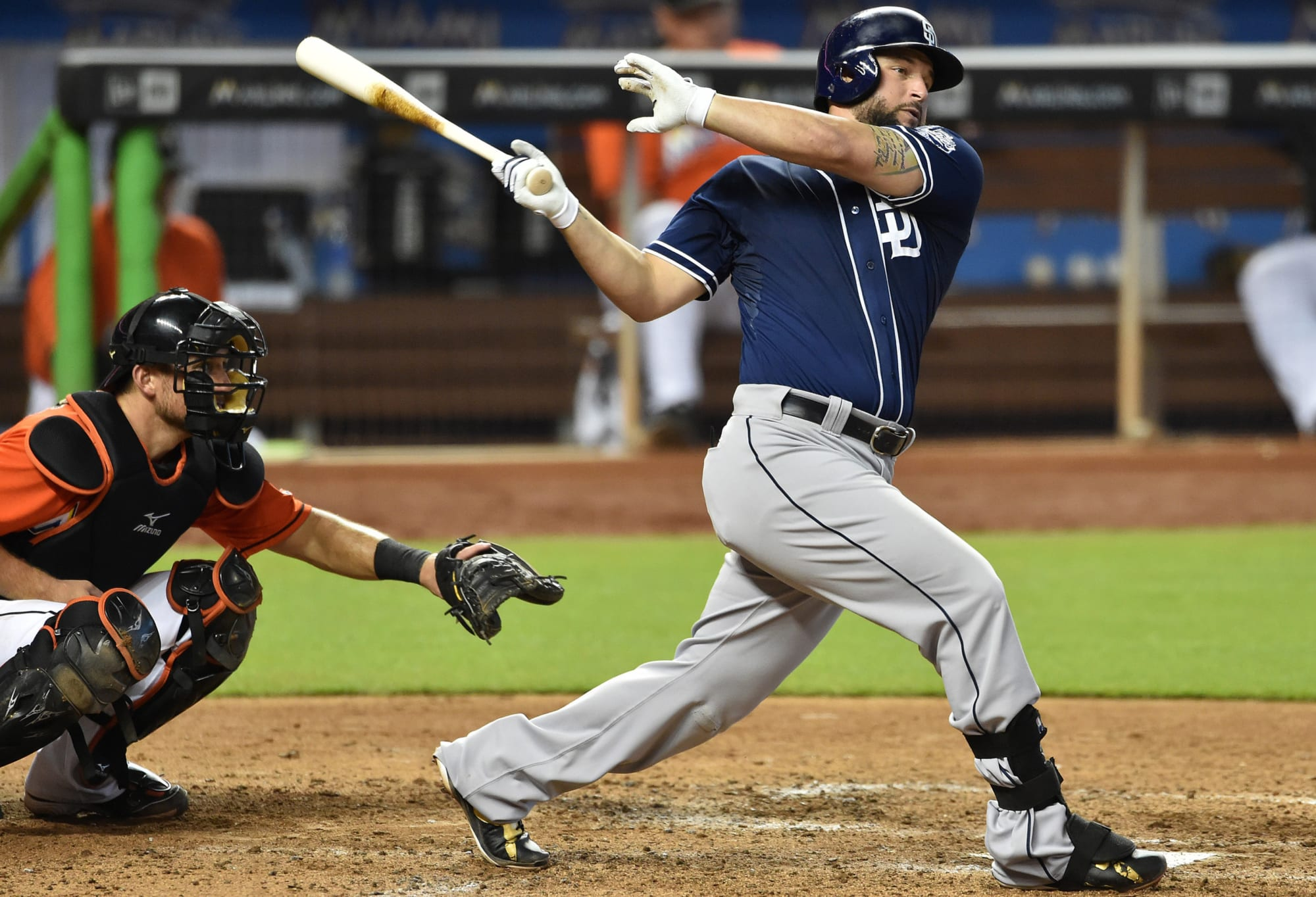 Padres Rumors: Yonder Alonso's Instagram post signals he's back