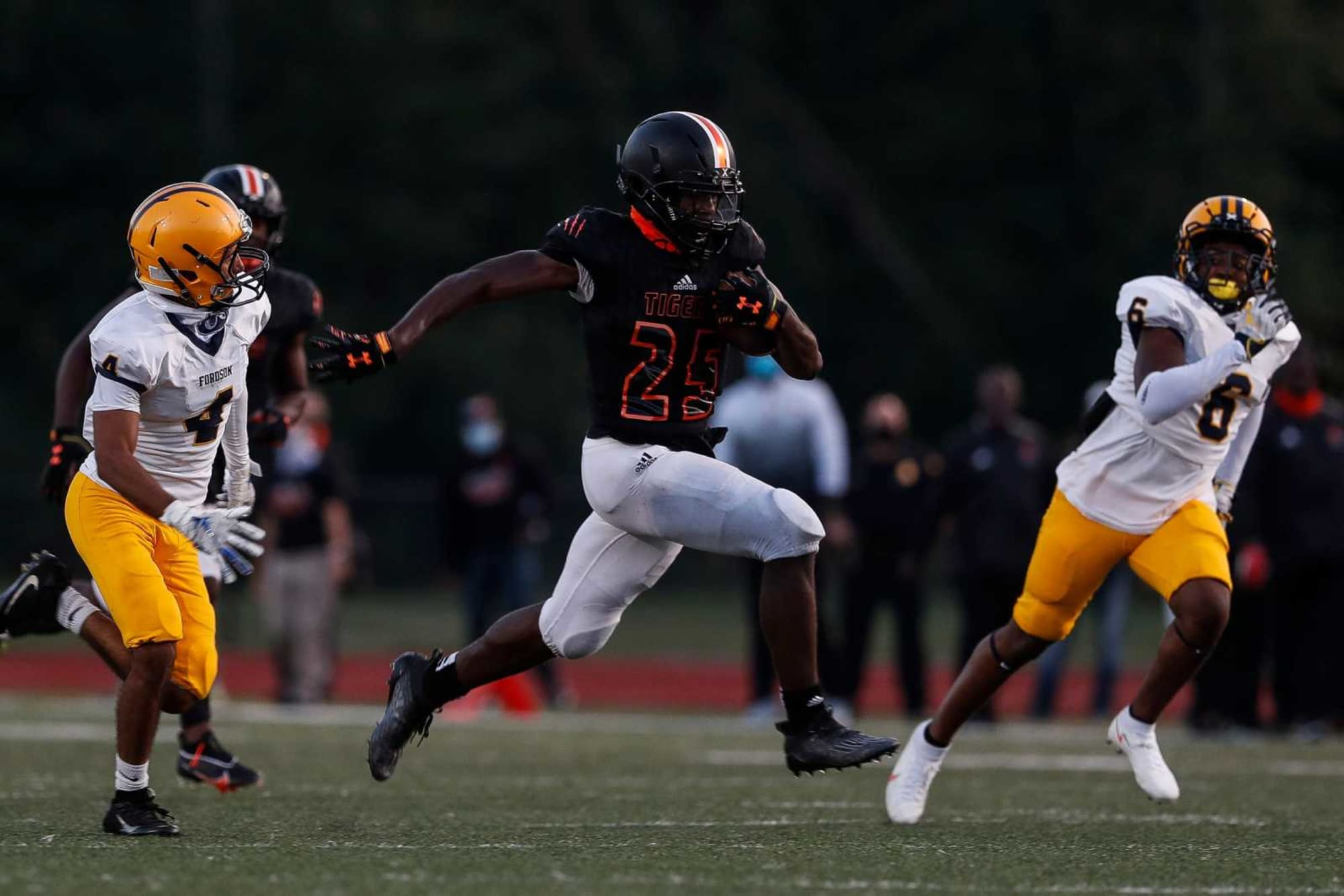 Michigan Football: Offer to in-state LB leads to crystal ball projection