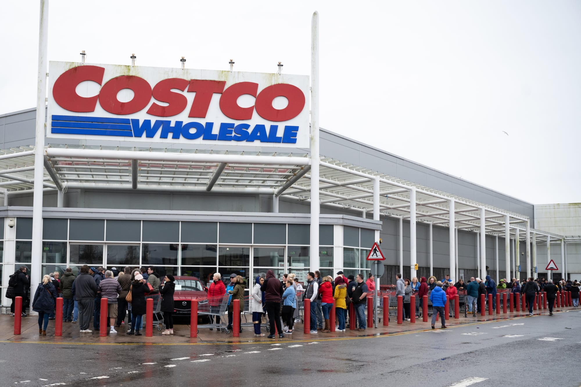 Costco is once again offering a Pots & Co dessert we can't wait to get our hands on