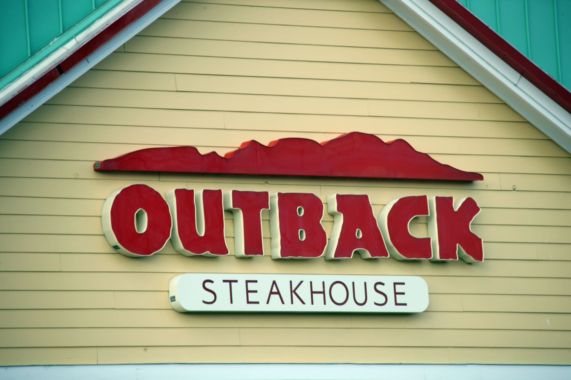 Outback Steakhouse Introduces Bloomin Fried Chicken