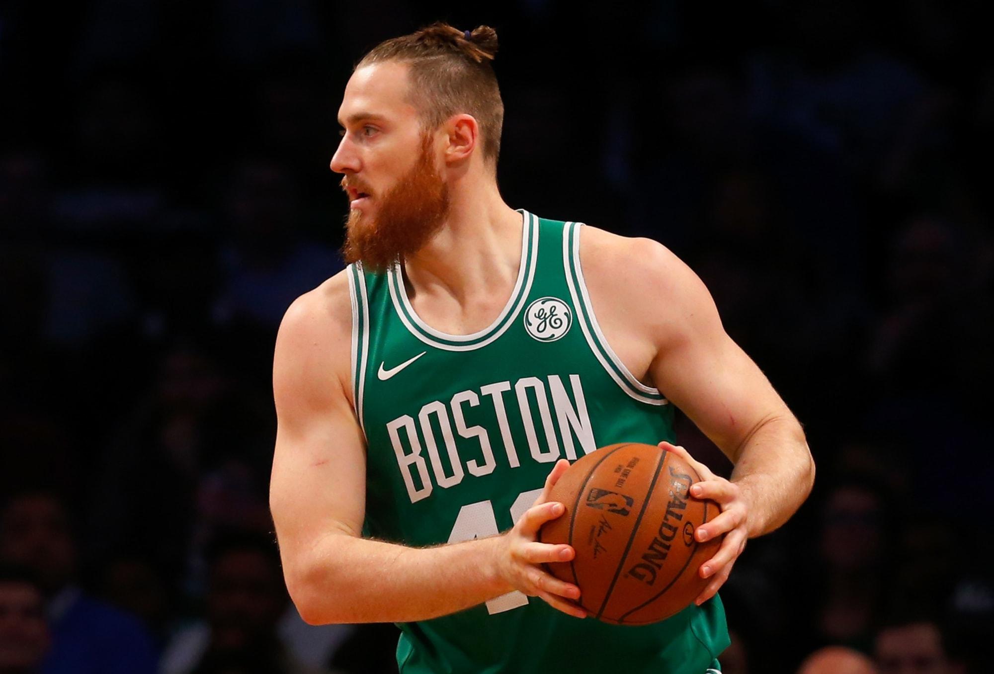 Boston Celtics: 2 veteran replacements for Vincent Poirier