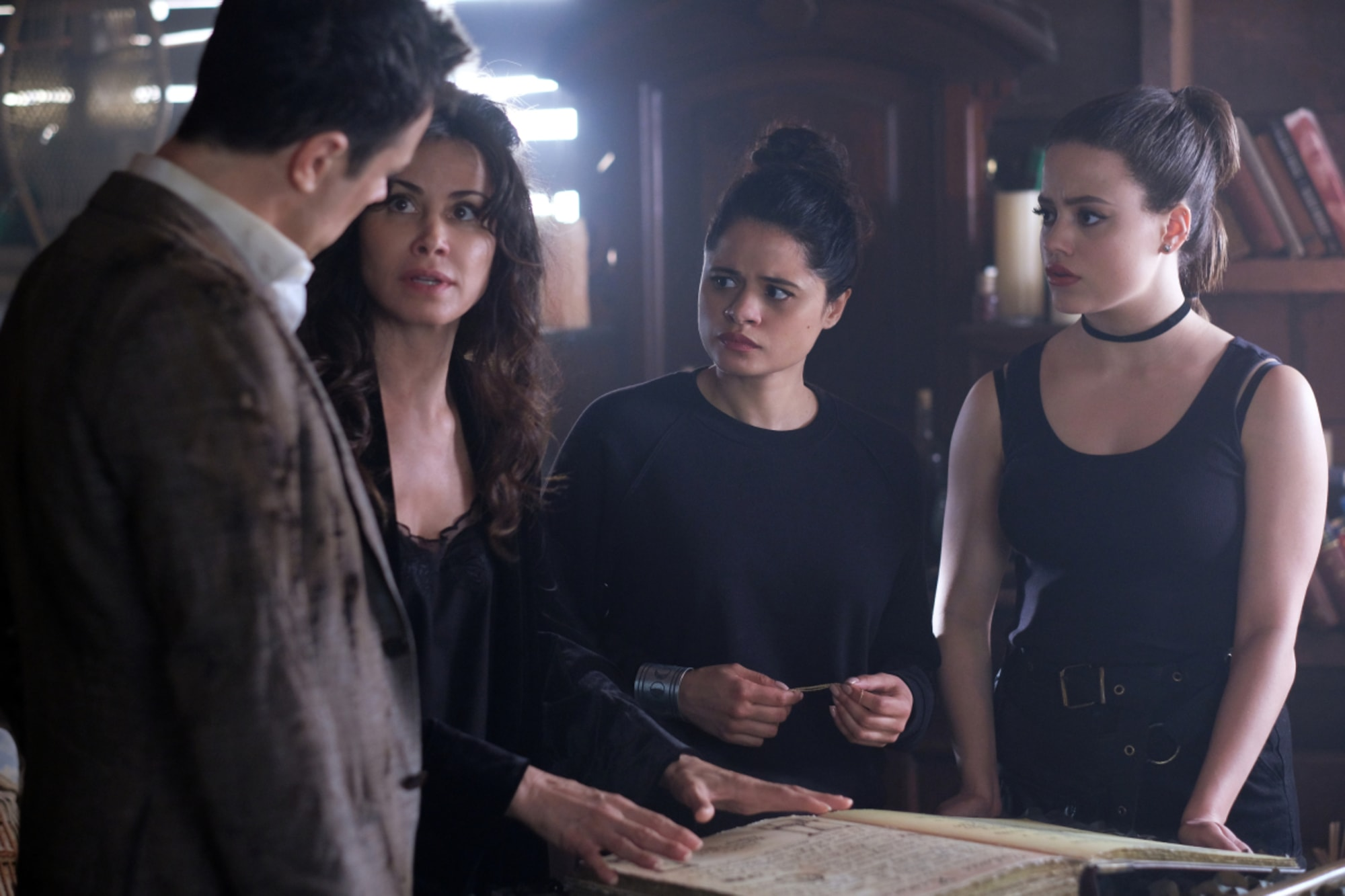 Charmed Will Macy And Harry Get Together In Season 2 Of Charmed