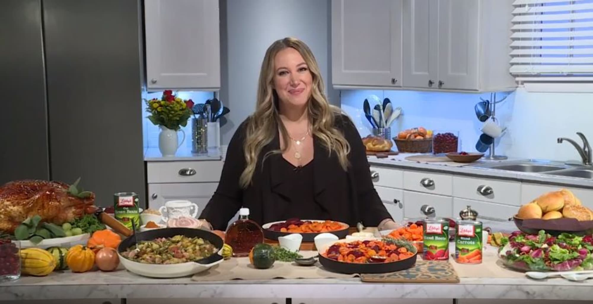 Real Girl S Kitchen Haylie Duff Talks Thanksgiving And Season 3
