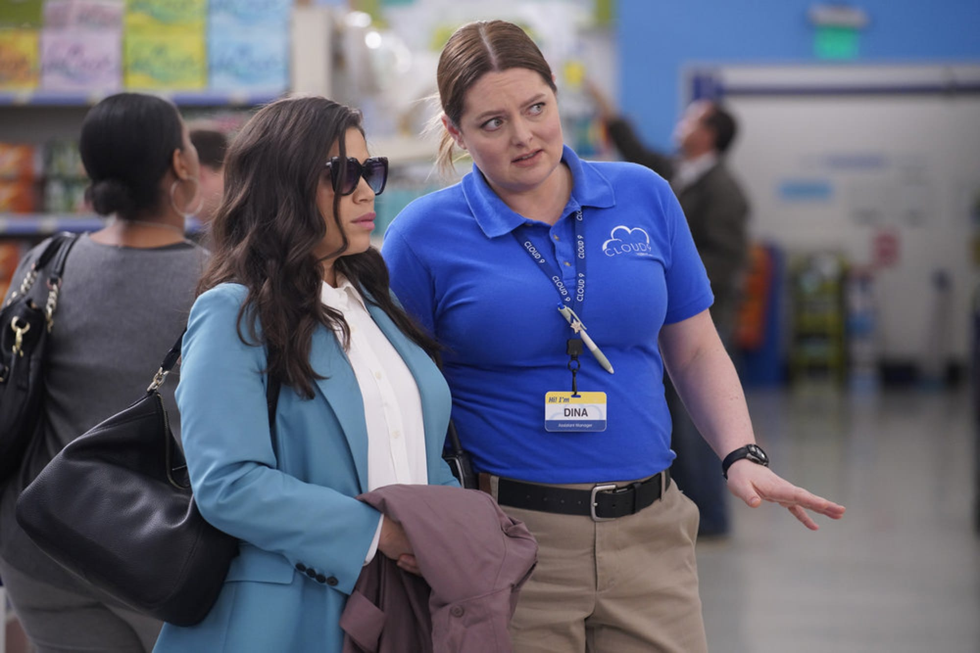 Superstore Season 5 Finale Are Amy And Jonah Moving To California