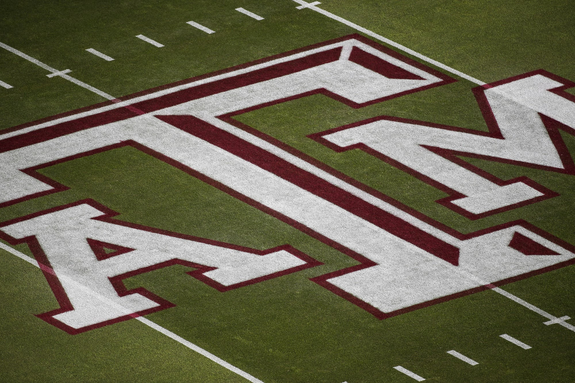 Texas Football: 4-Star DE Shemar Turner could still be set on Texas A&M
