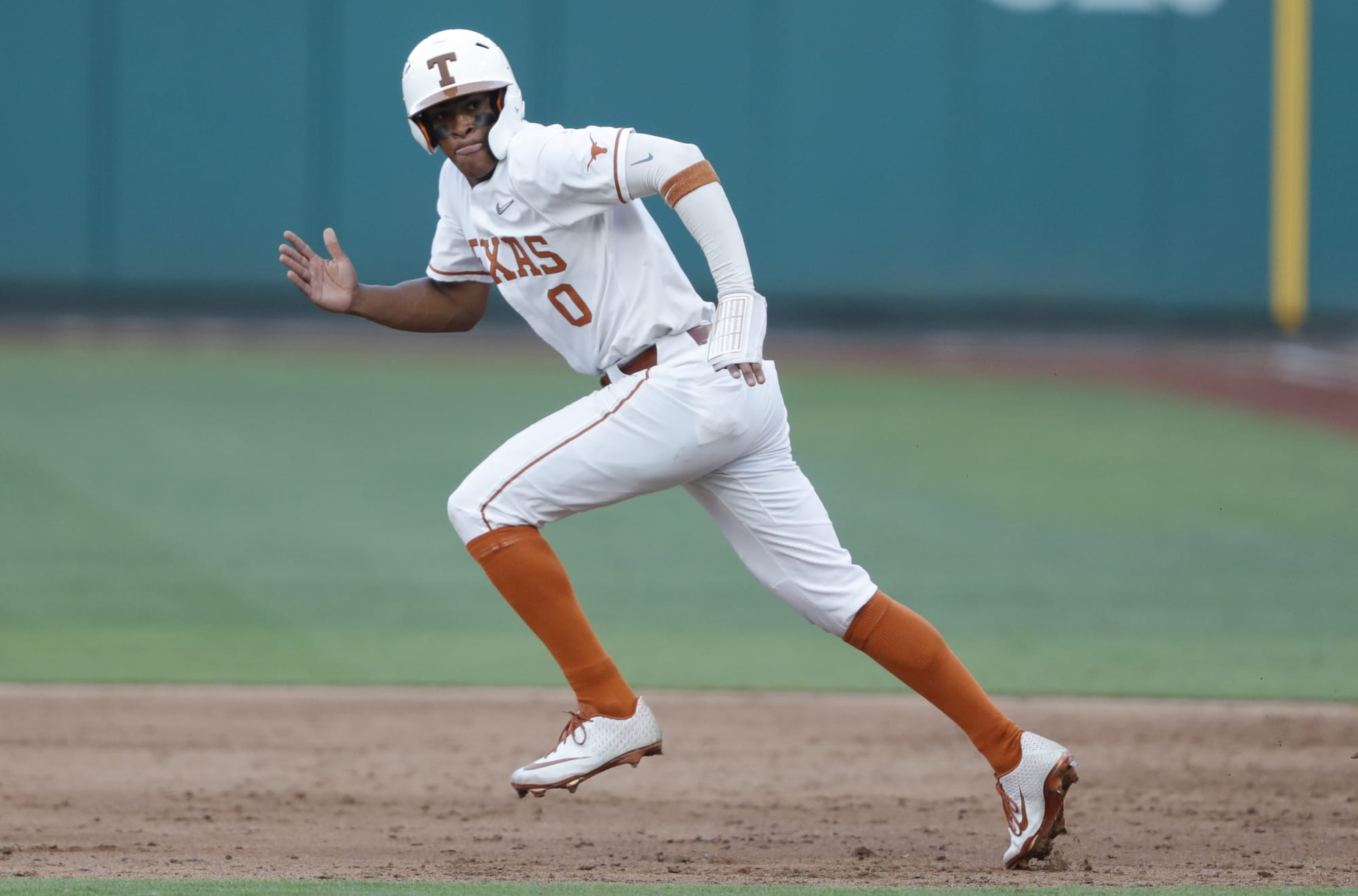 Texas Baseball: Horns advance to CWS after dominant win over USF