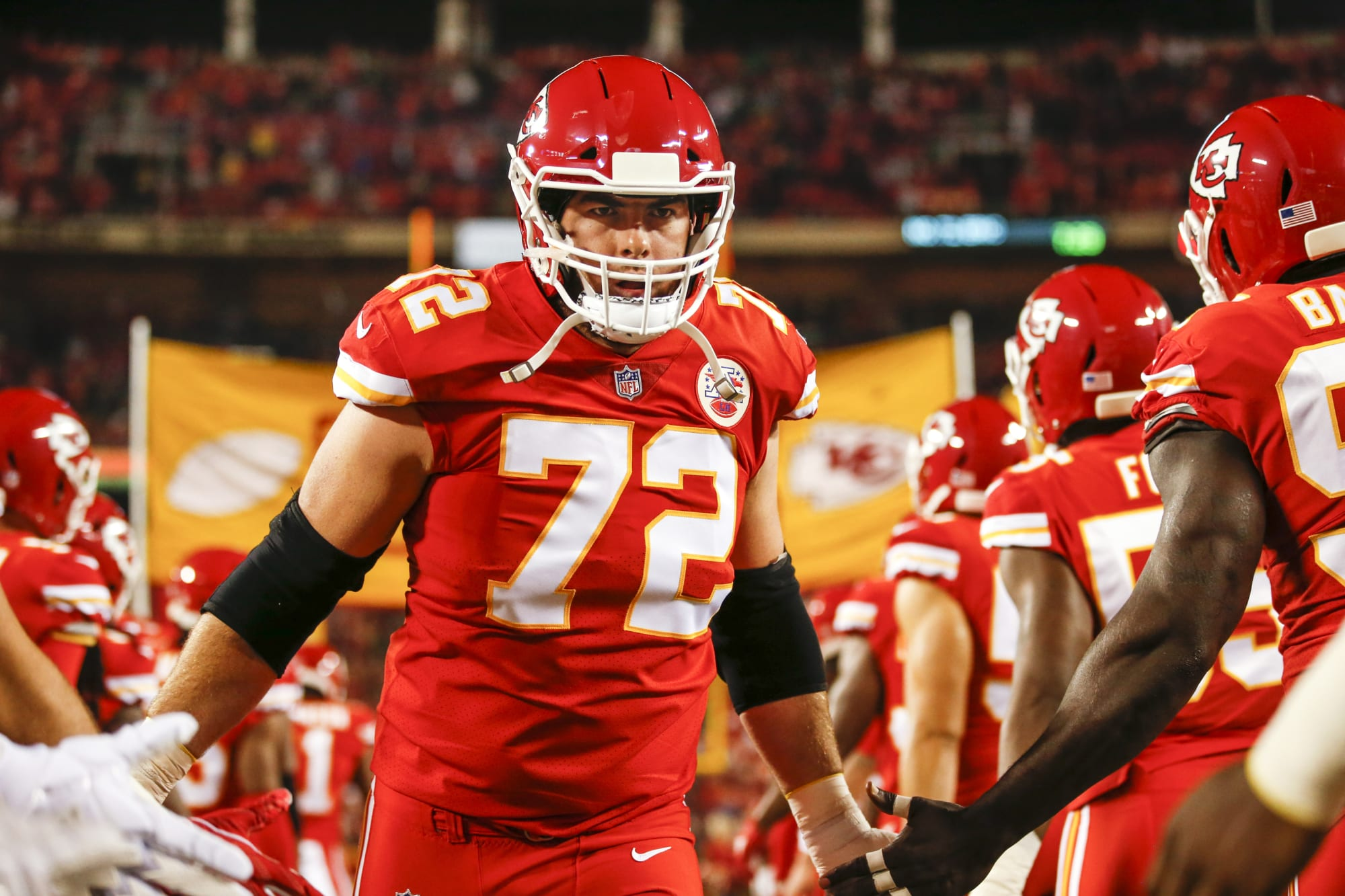 Colts sign Eric Fisher in incredibly risky move to protect Carson Wentz