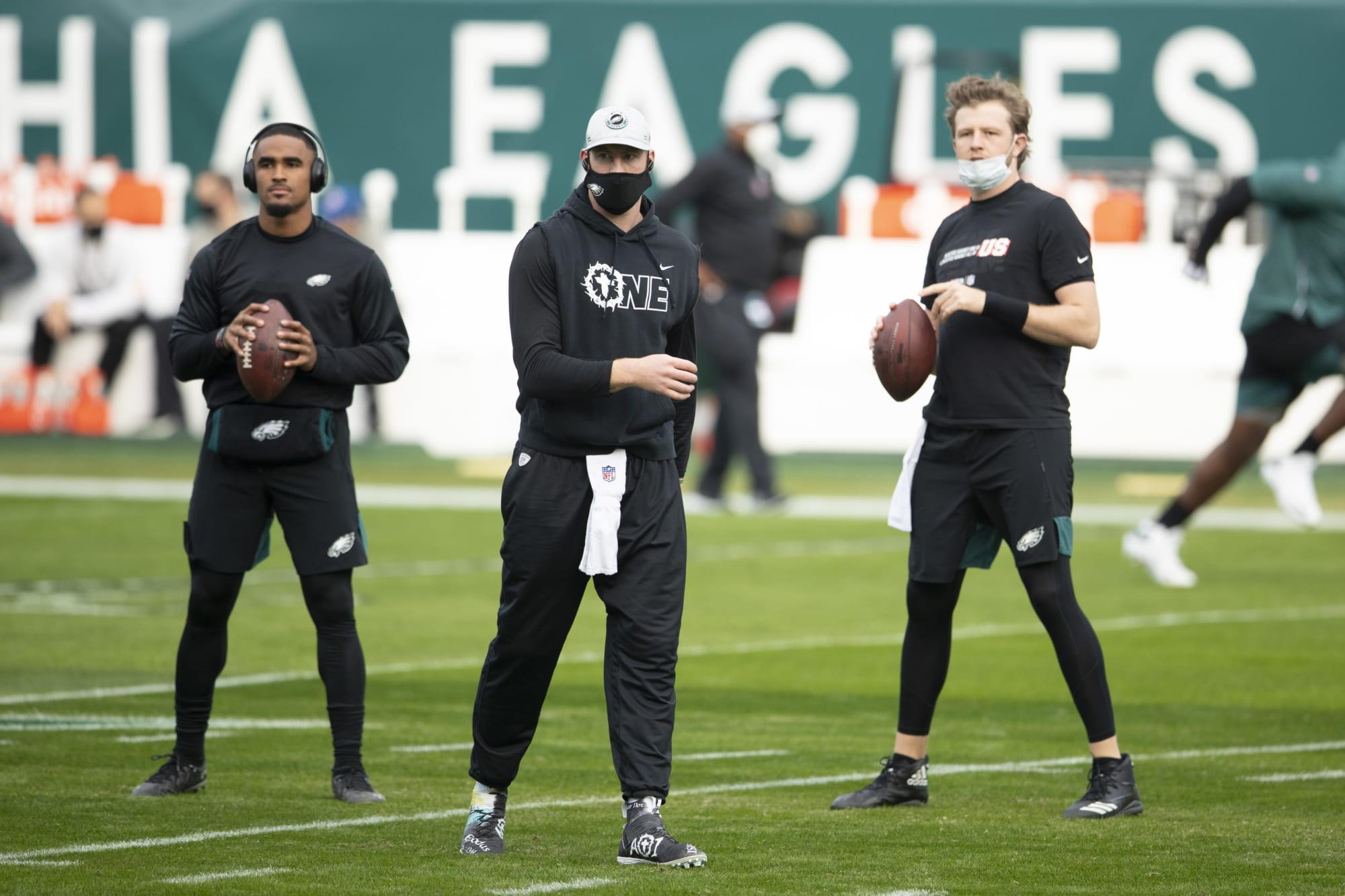 Carson Wentz adds ammo to argument that he's a bad teammate - Inside the Iggles