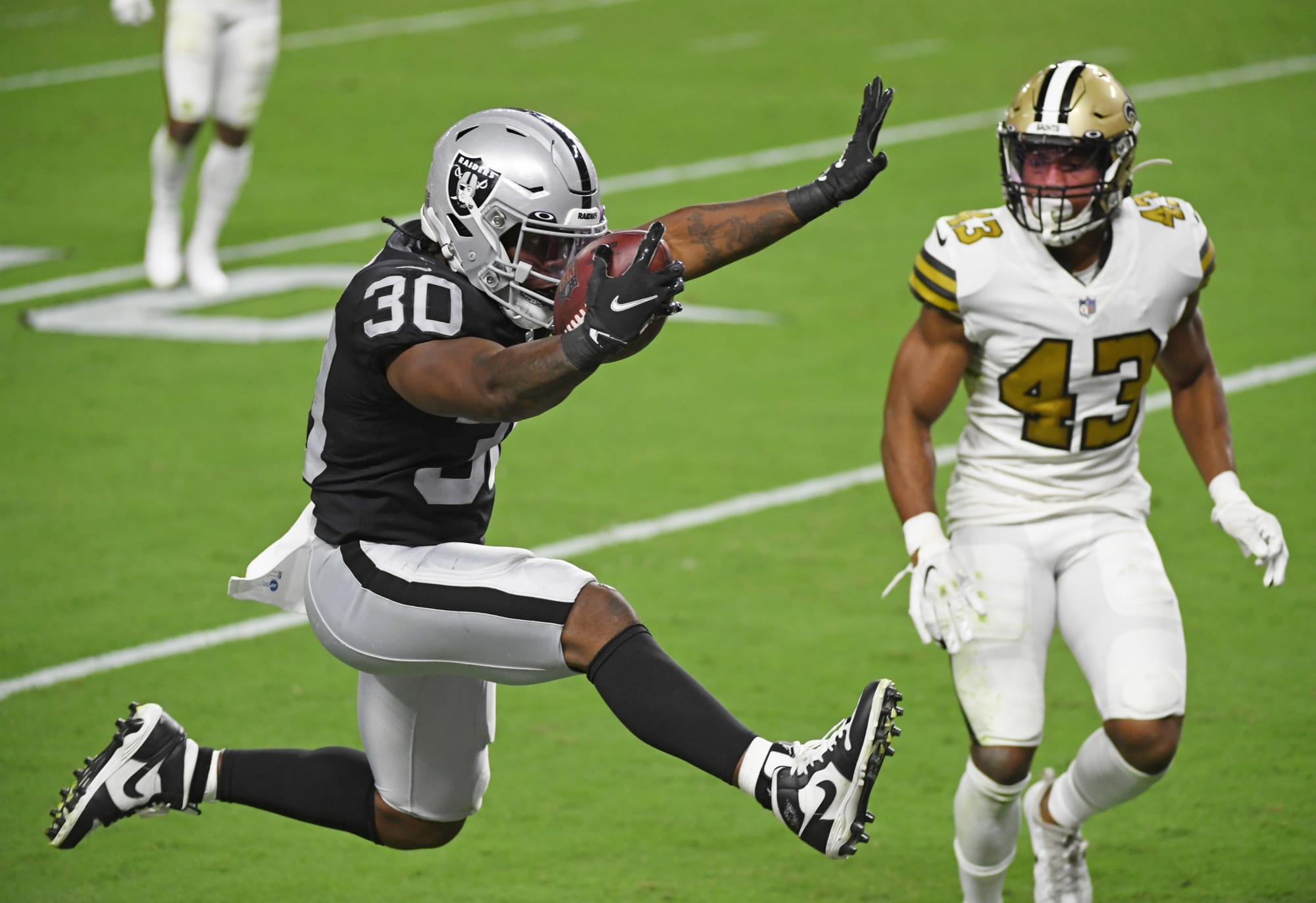 Las Vegas Raiders: Is running back Jalen Richard on his way out?