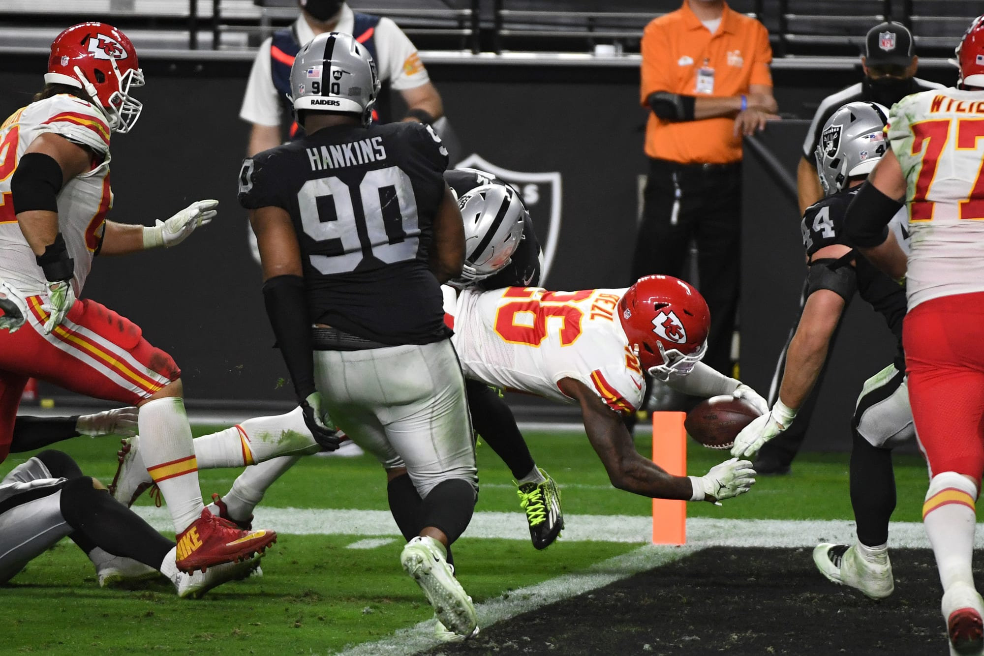 Could the Las Vegas Raiders land running back Le'Veon Bell?