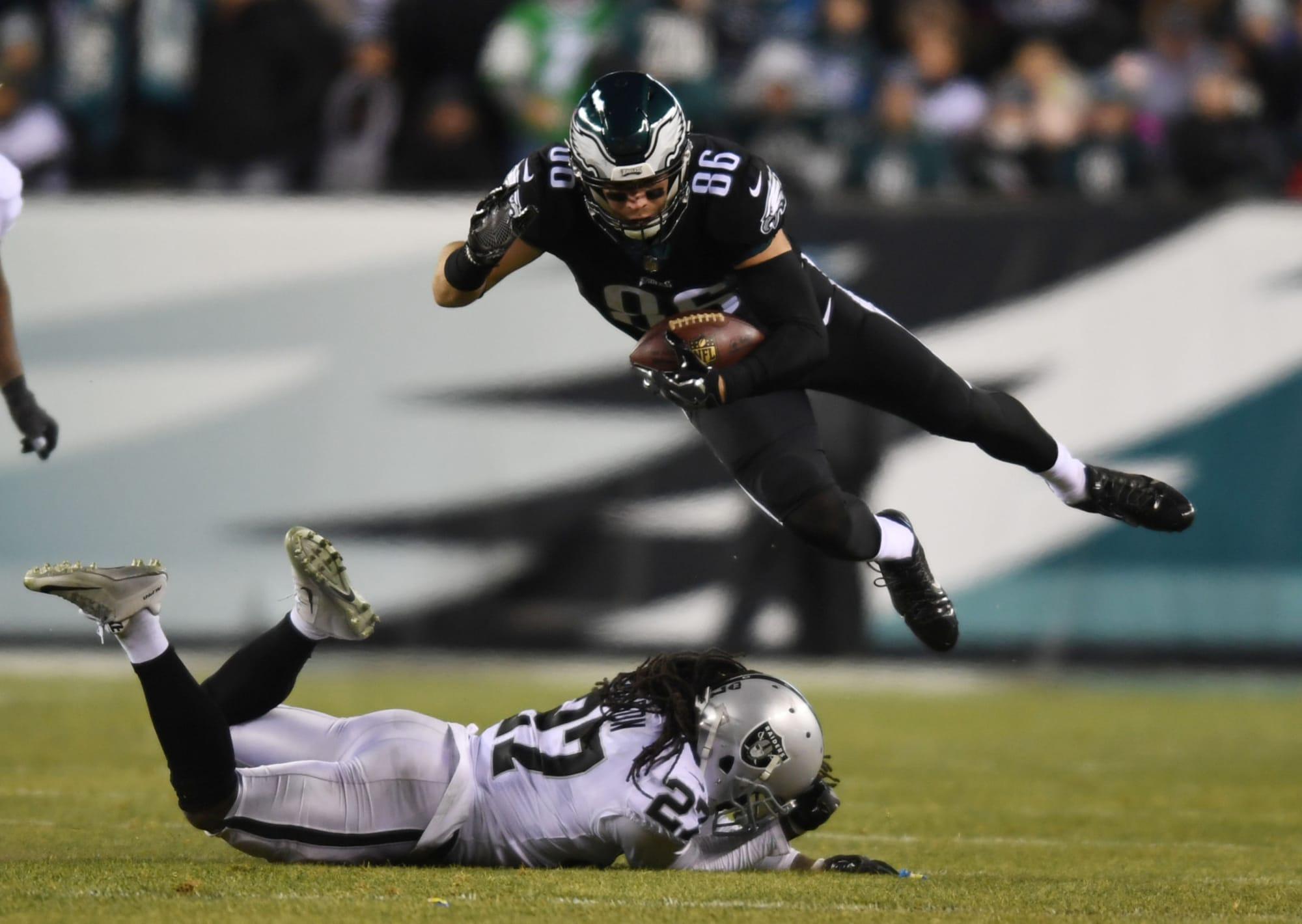 Las Vegas Raiders: Should the Raiders pursue Zach Ertz?