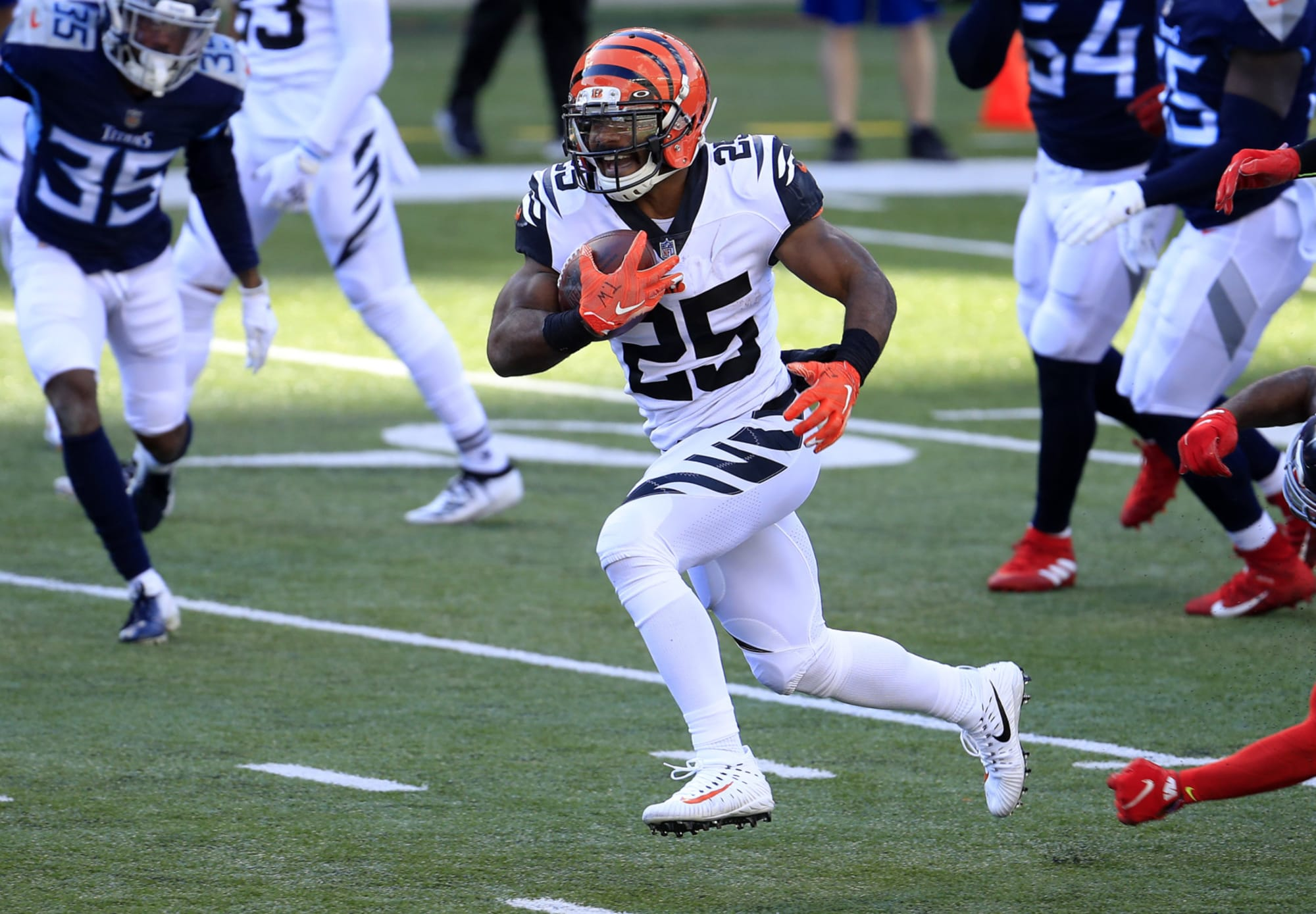 UNC Football: Giovani Bernard released by Cincinnati Bengals