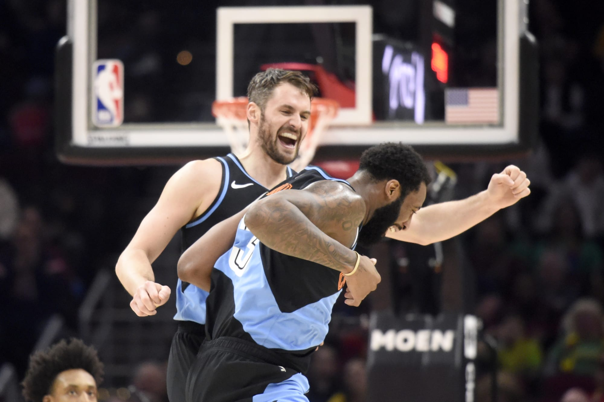Cavs: Kevin Love and Andre Drummond should screen for each other often off-ball