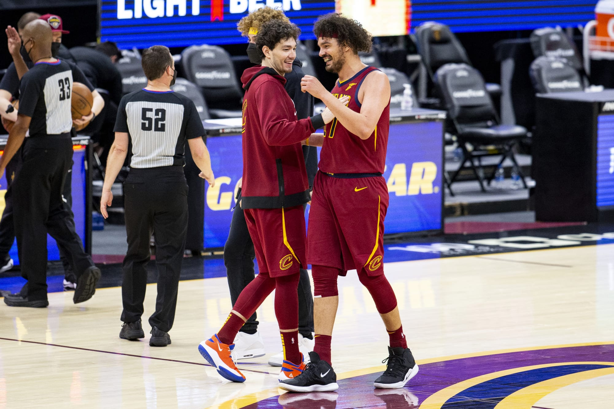 Cavs: Being around Anderson Varejao is big for youngsters