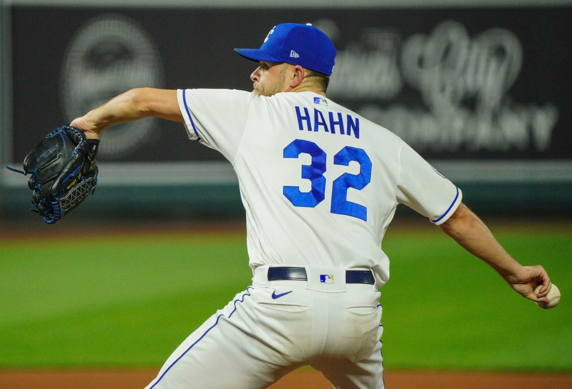 KC Royals avoid arbitration with several players