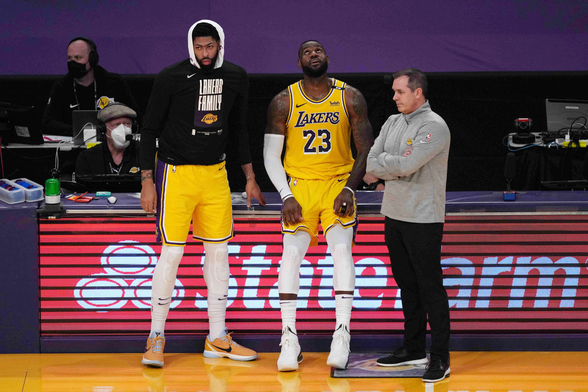 Los Angeles Lakers: 10 most disappointing seasons in franchise history