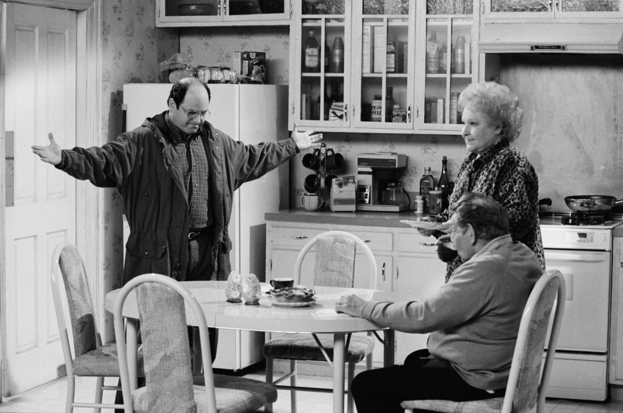 5 Netflix shows to watch while you wait for Seinfeld