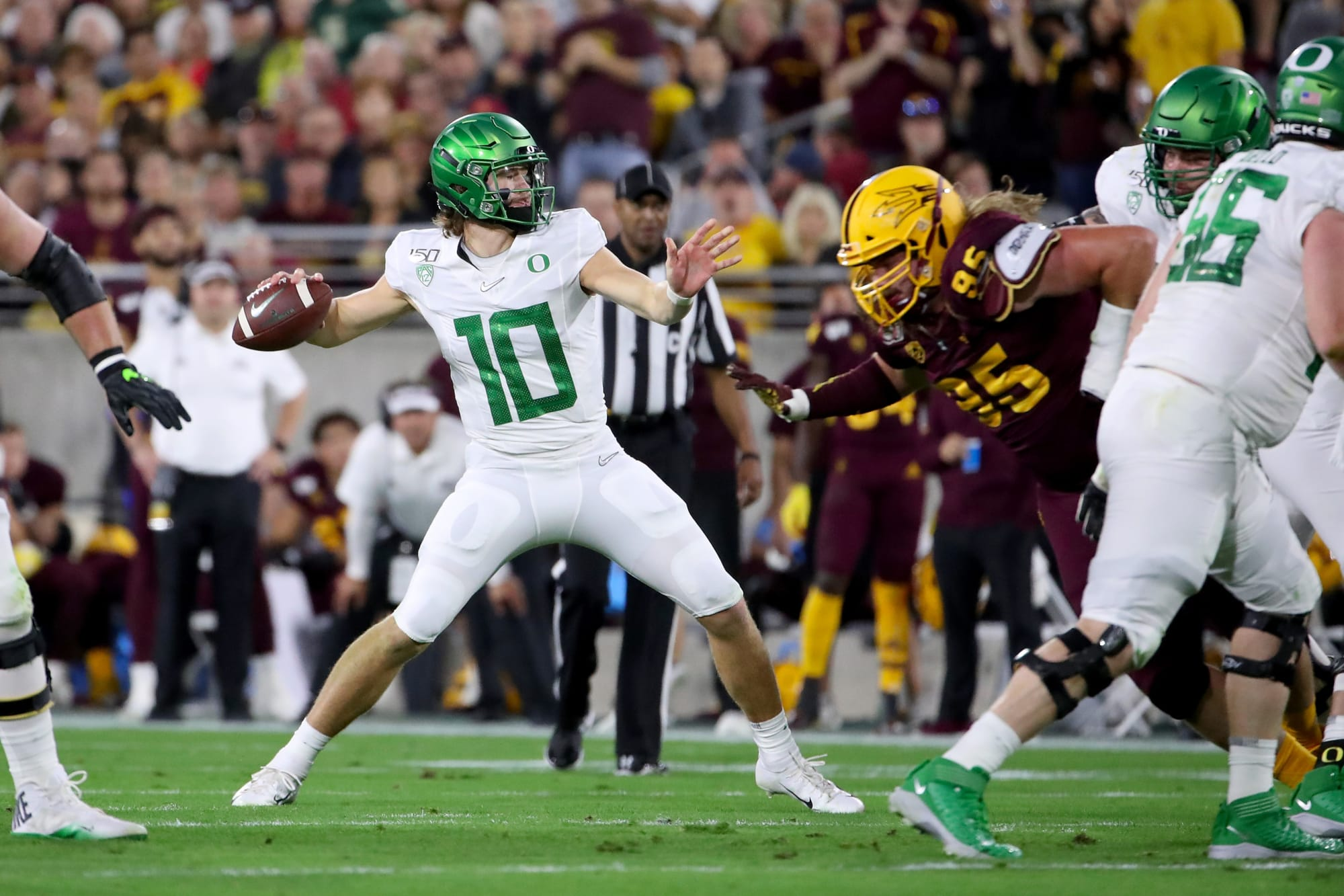 Los Angeles Chargers: Offensive line will stunt Justin Herbert development