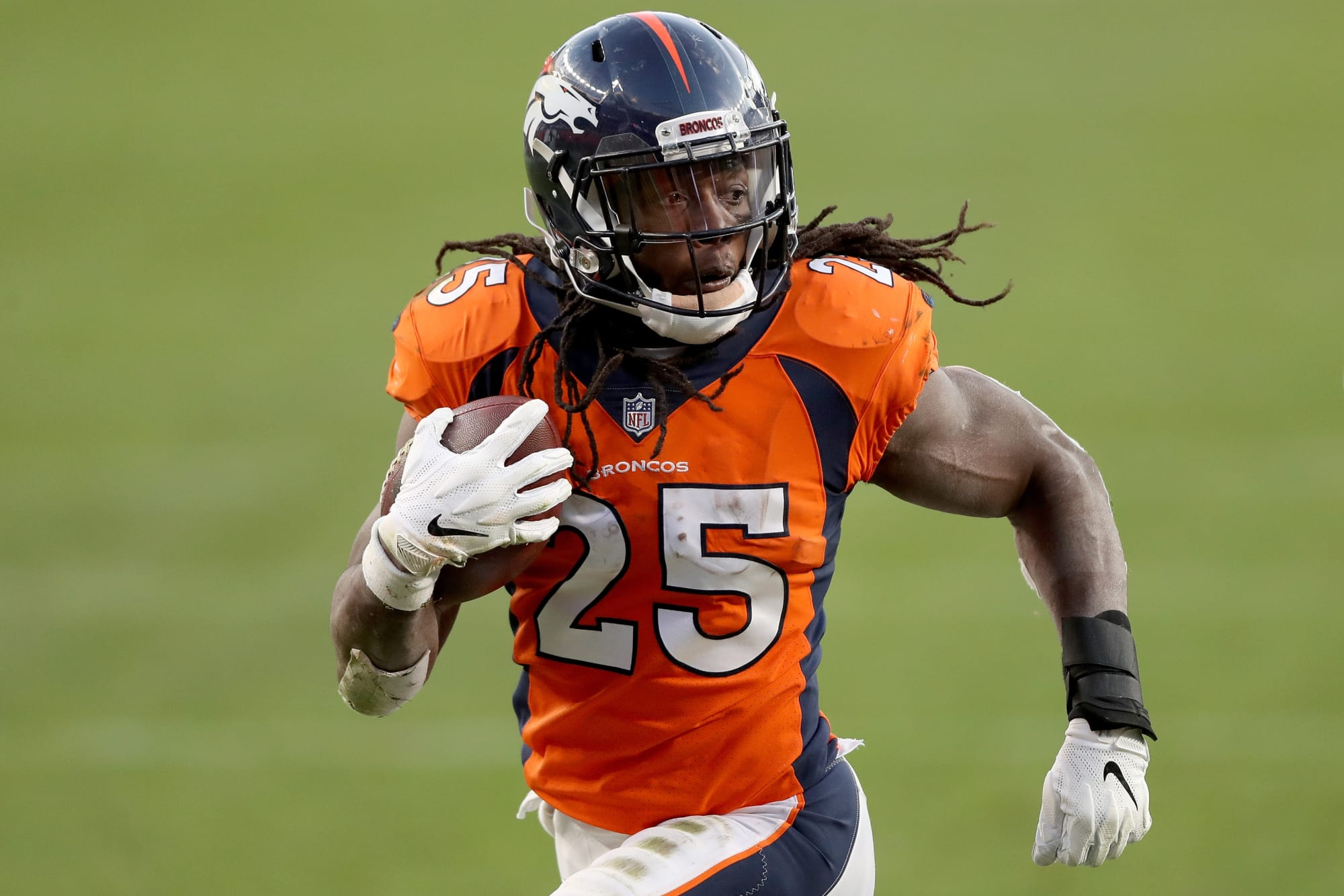 Denver Broncos: Trading Melvin Gordon to Rams might be a possibility