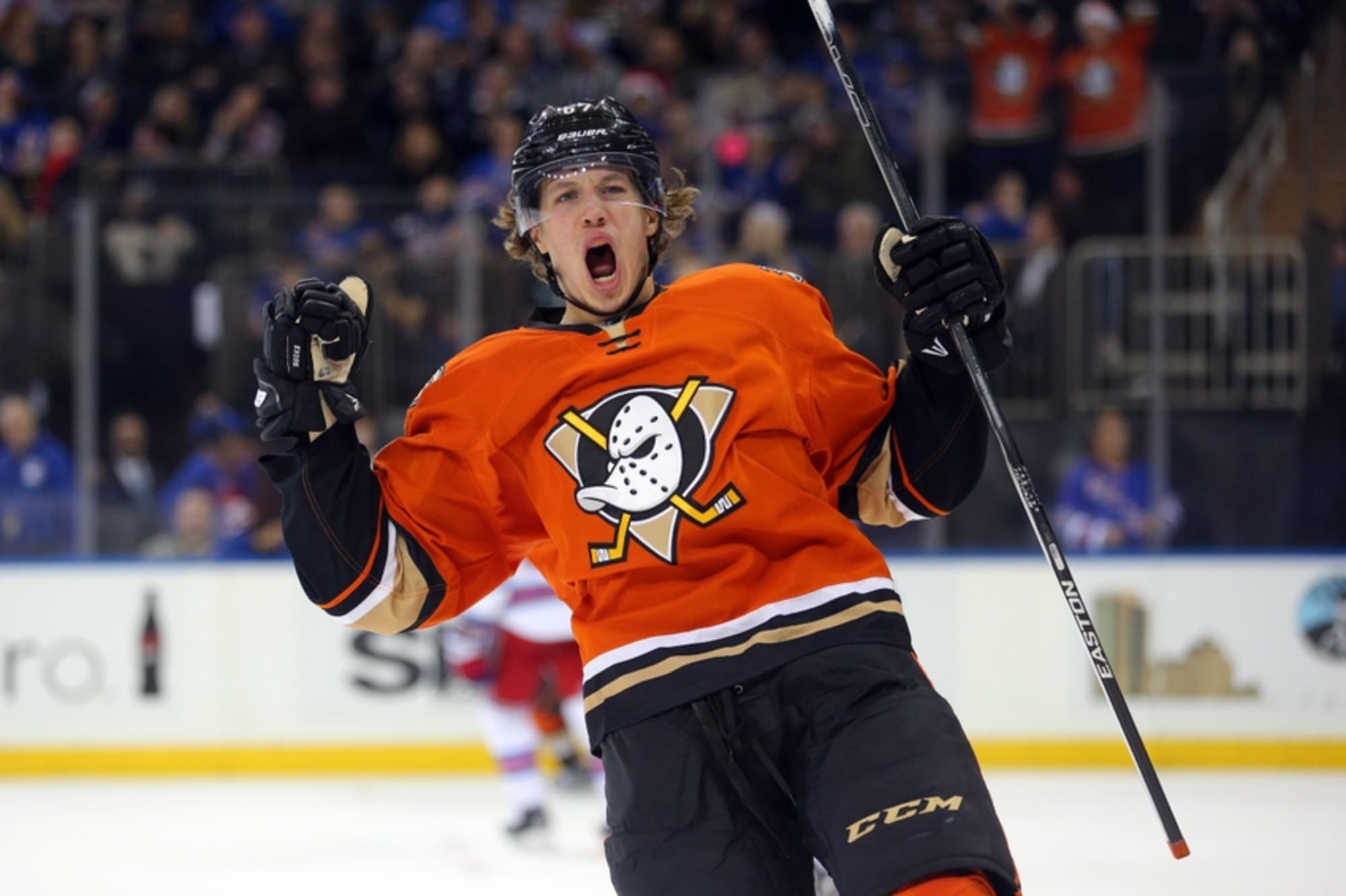Anaheim Ducks Sign Forward Rickard Rakell to 6-Year Deal