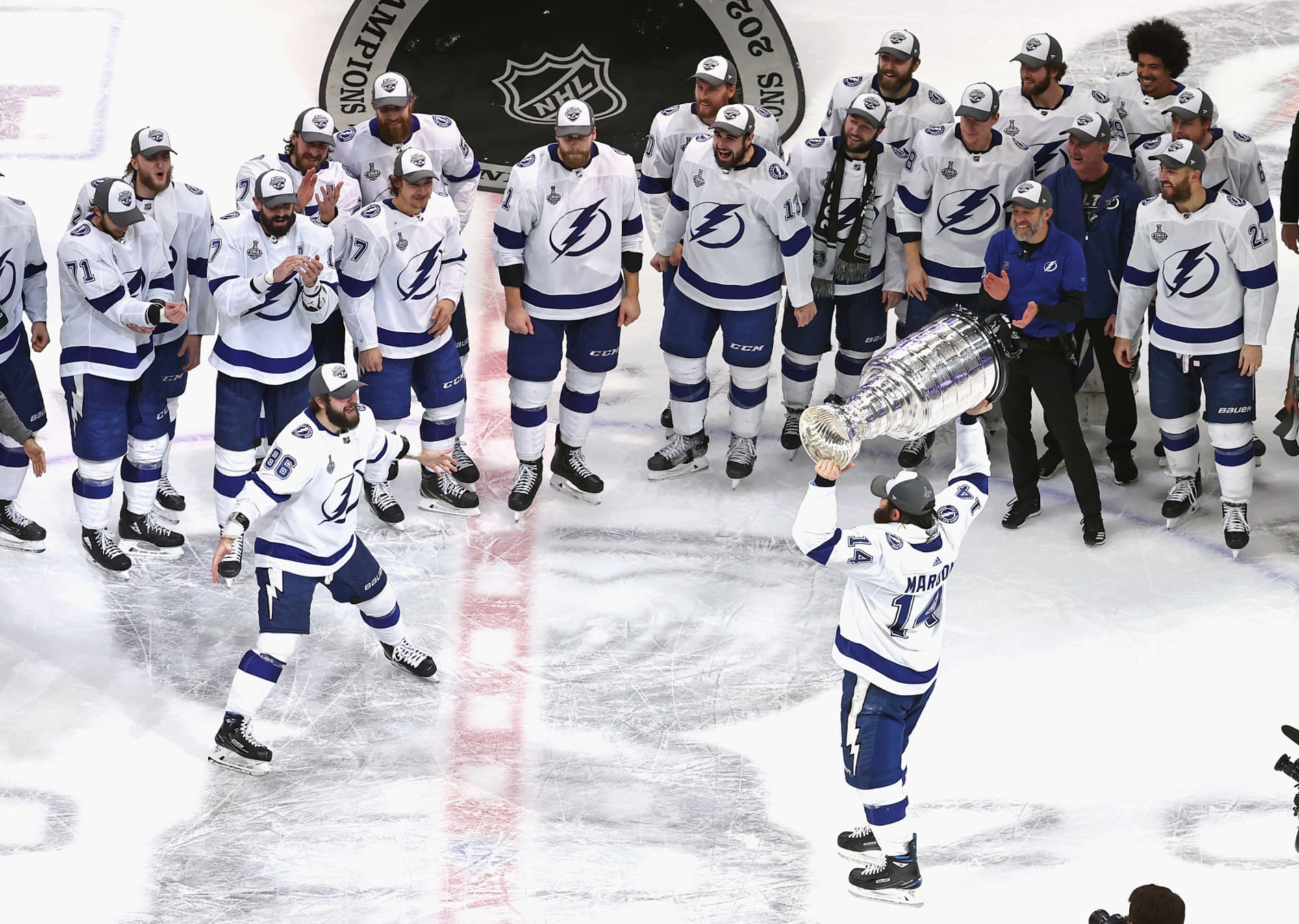 tampa bay lightning jeff halpern s celebration is incredibly tone deaf tampa bay lightning jeff halpern s