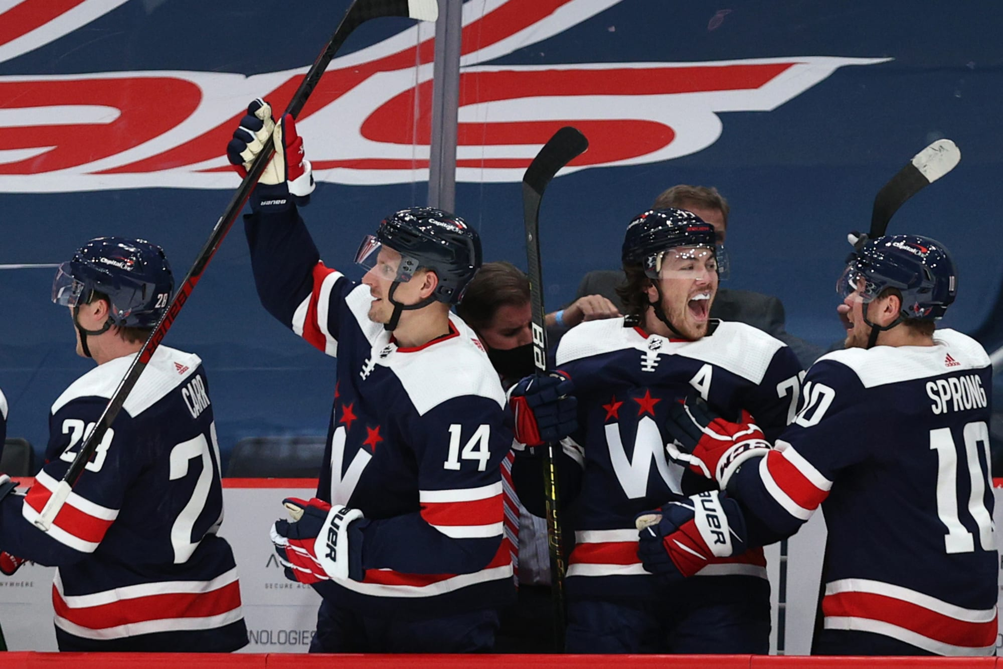 Washington Capitals leave it late to beat Isles but look good doing it