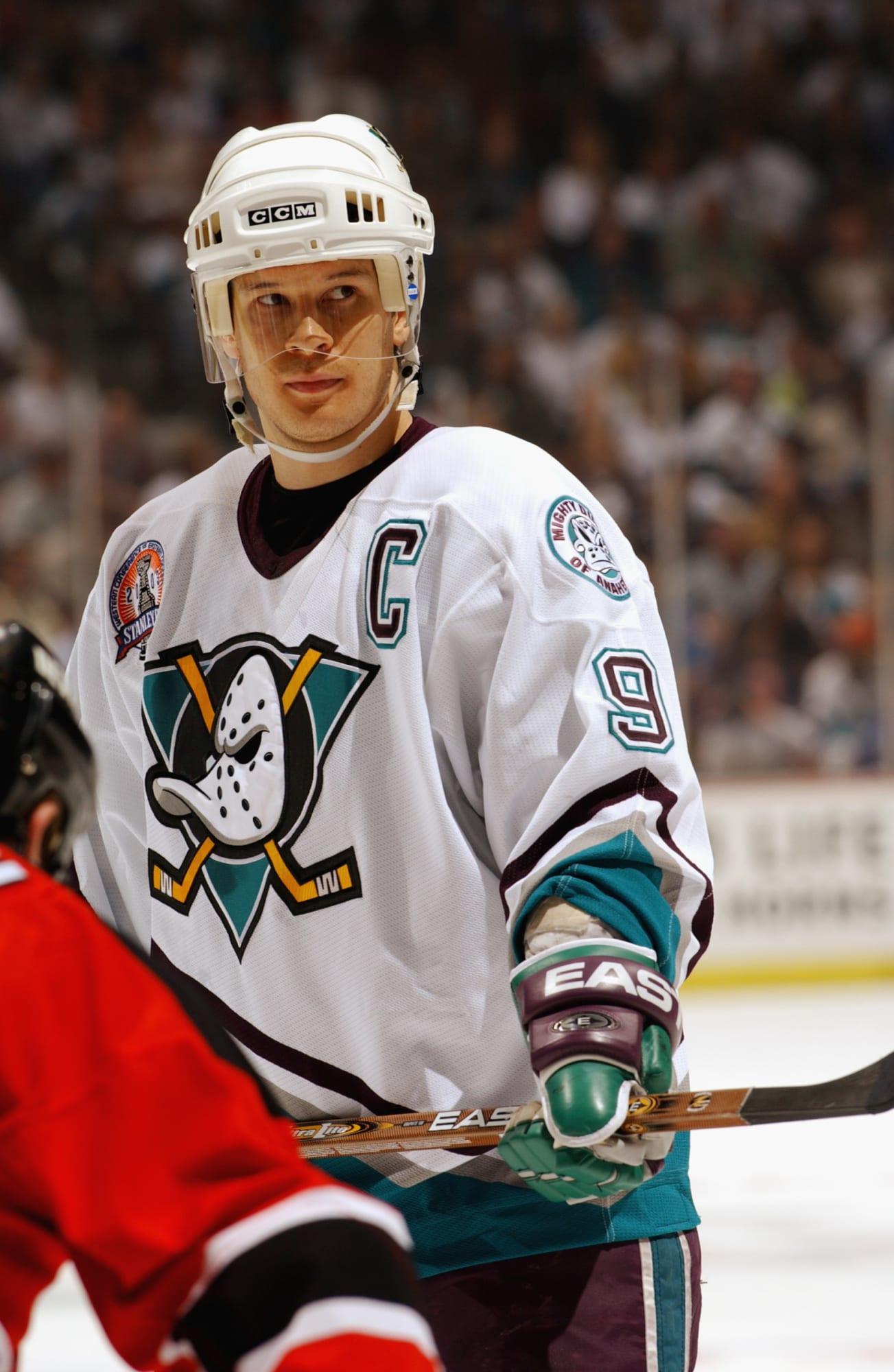 Anaheim Ducks: An Ode to the Legendary Paul Kariya