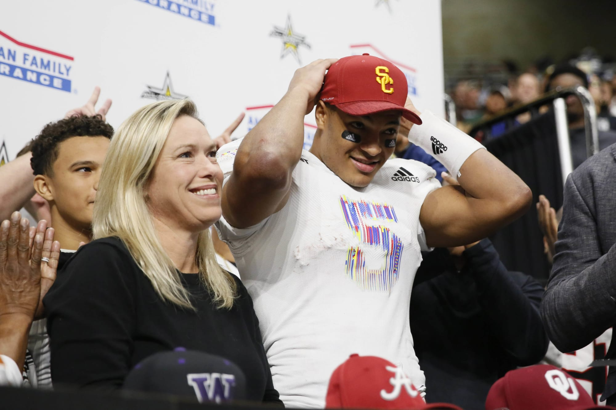 Bru McCoy catching a TD pass at the Coliseum is a long time coming for USC football (Video)