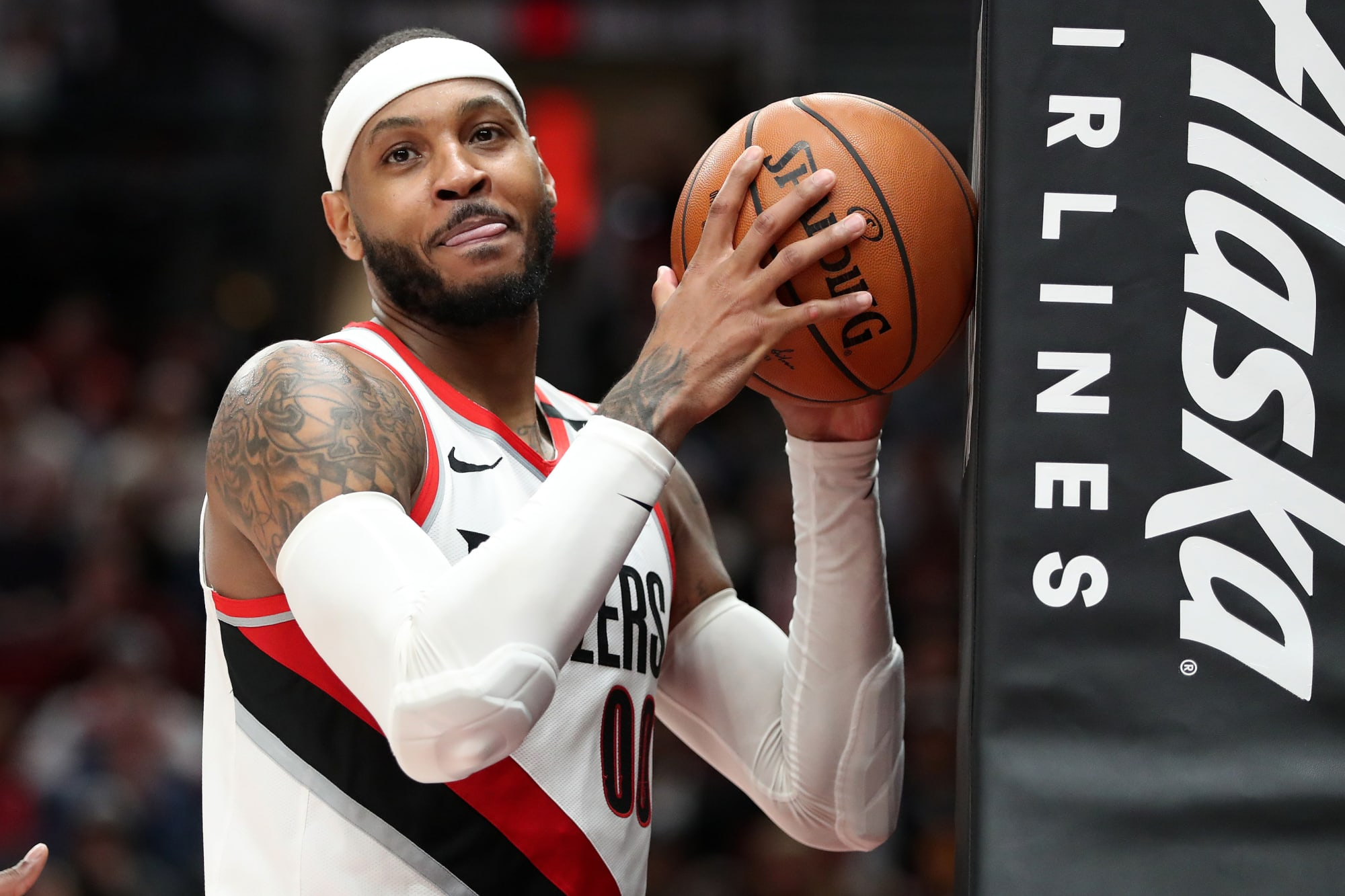 Carmelo Anthony looking ripped in photo at Portland Trail Blazers training