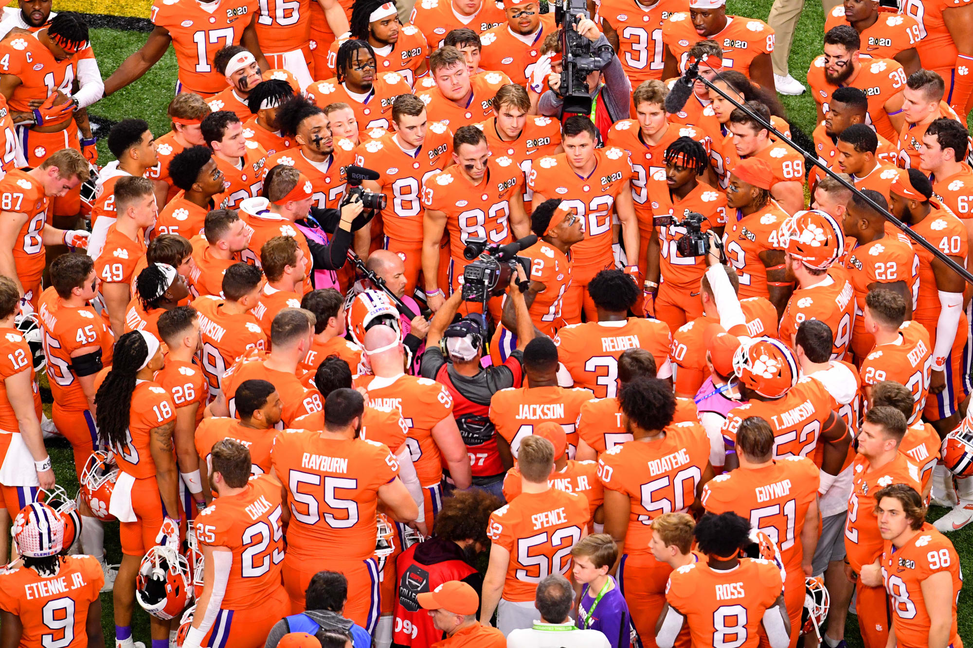 Clemson Football: Teams continue to stay steps behind the Tigers