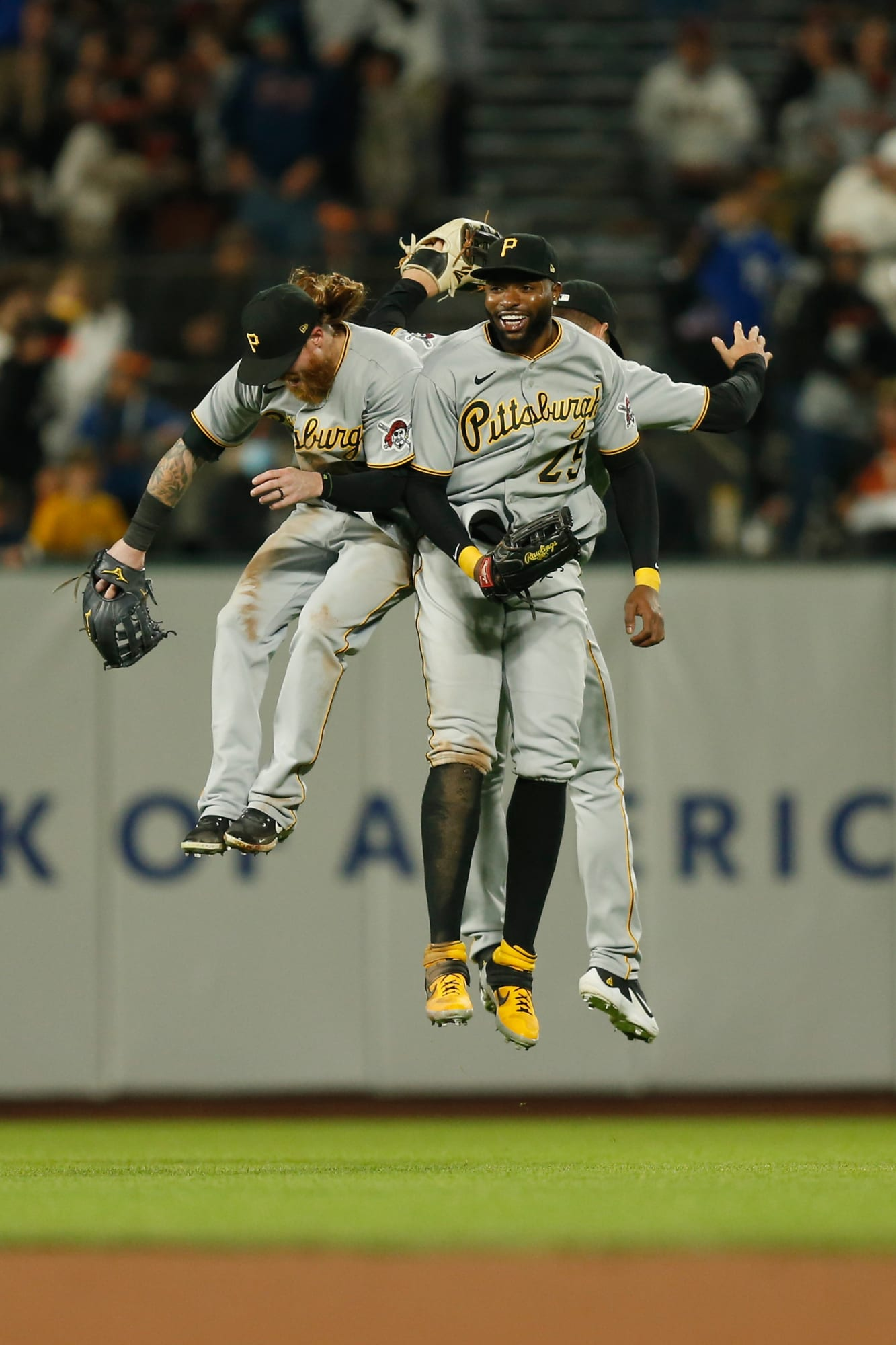 Pittsburgh Pirates Blowout San Francisco Giants for Series Victory