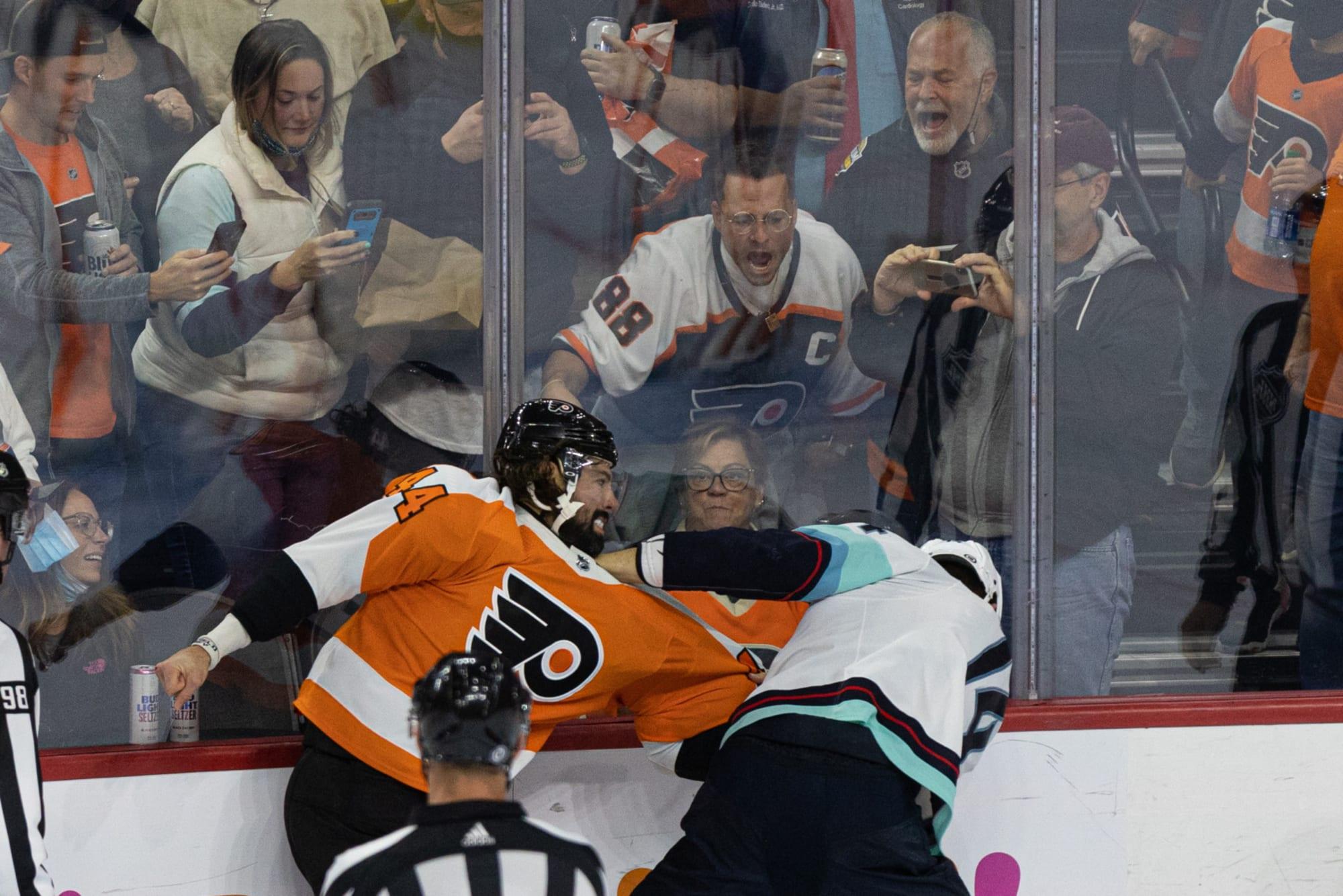 Philadelphia Flyers: Watch Nate Thompson clobber Nate Bastian (video)
