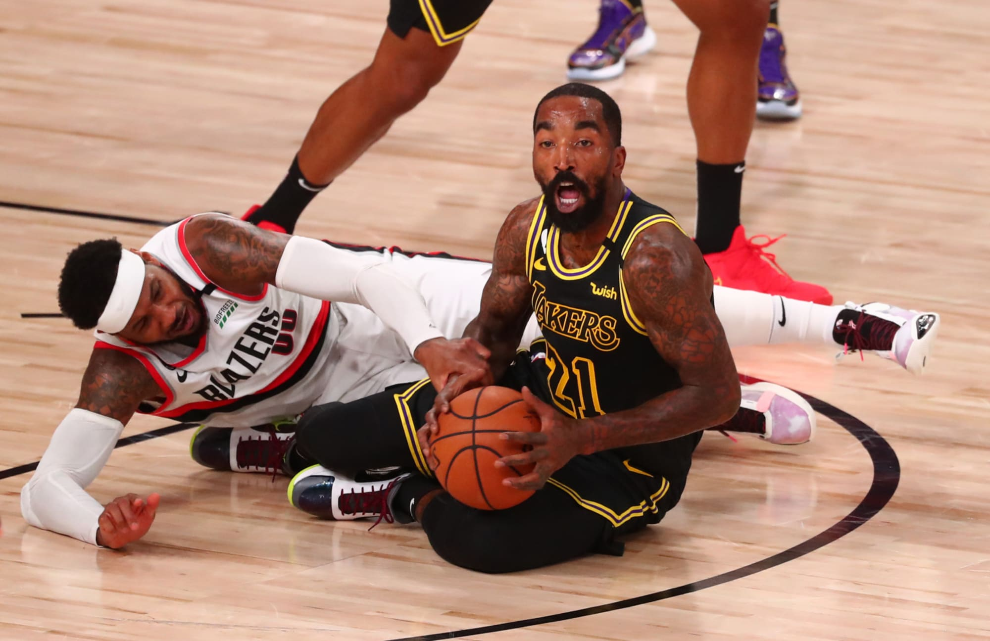 Lakers J.R. Smith names surprising Rockets player as hardest to guard
