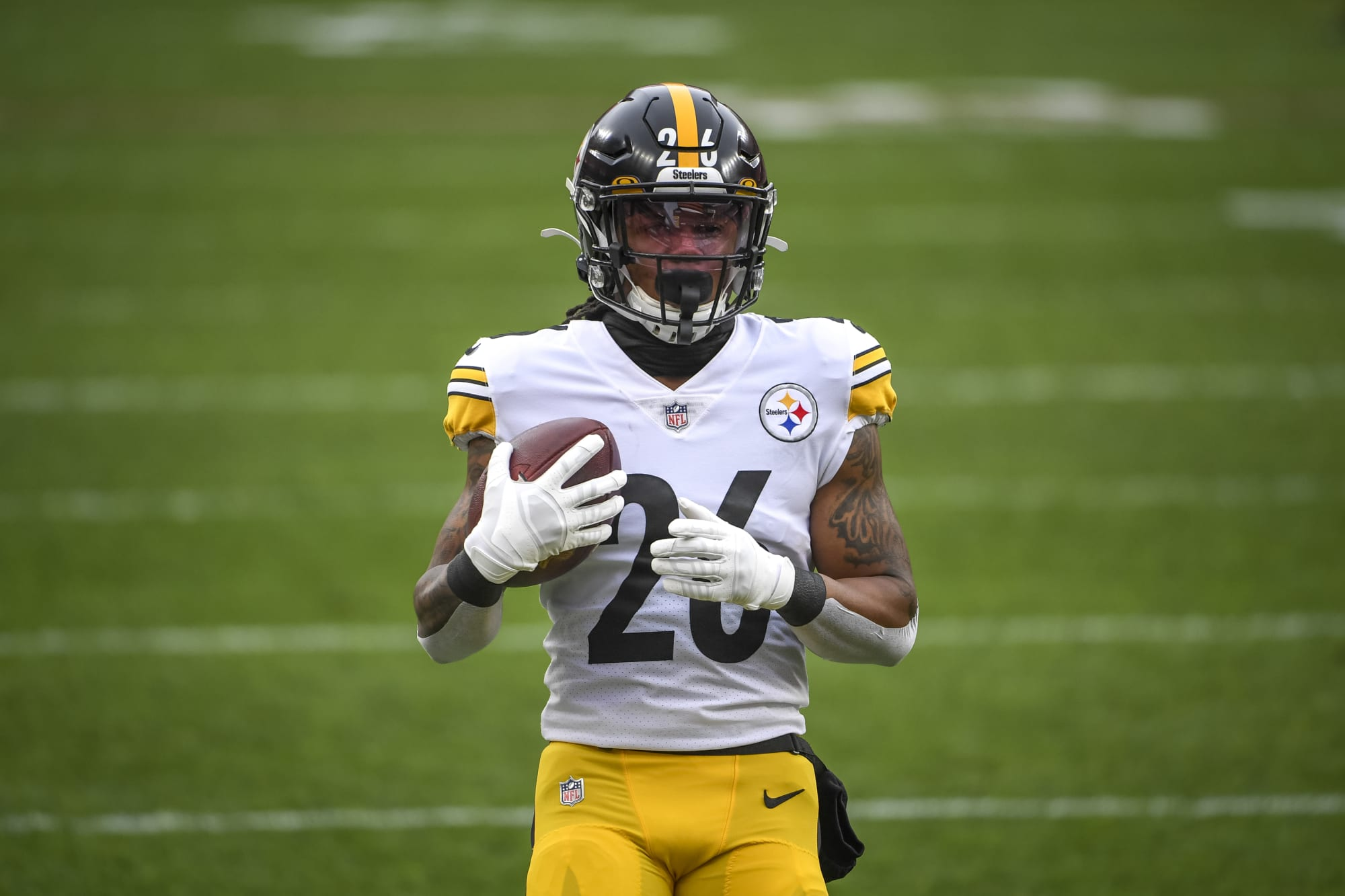 Is Anthony McFarland best option for Steelers if they miss out on RB early?