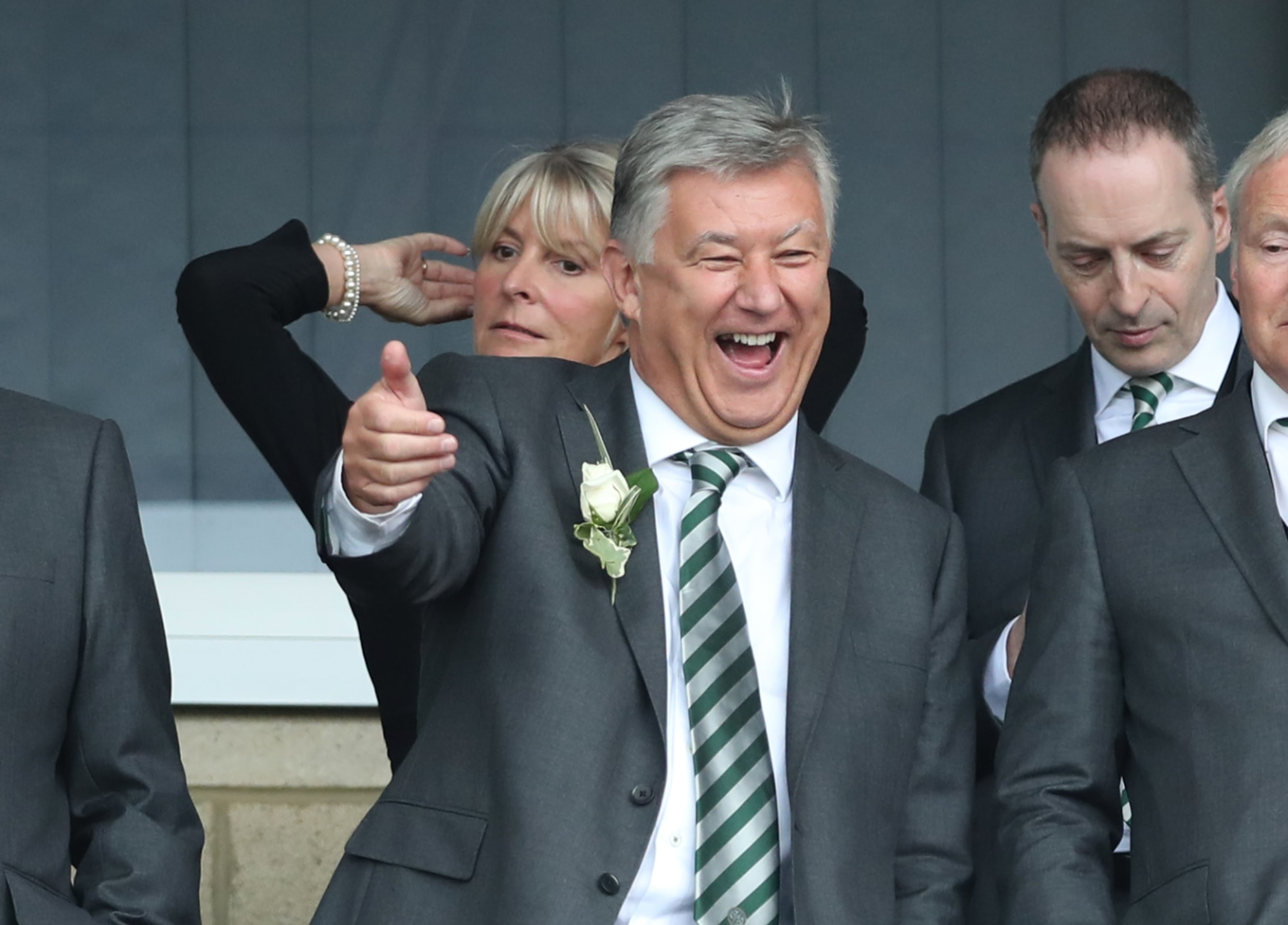 Striker arrives in Glasgow to complete Celtic transfer