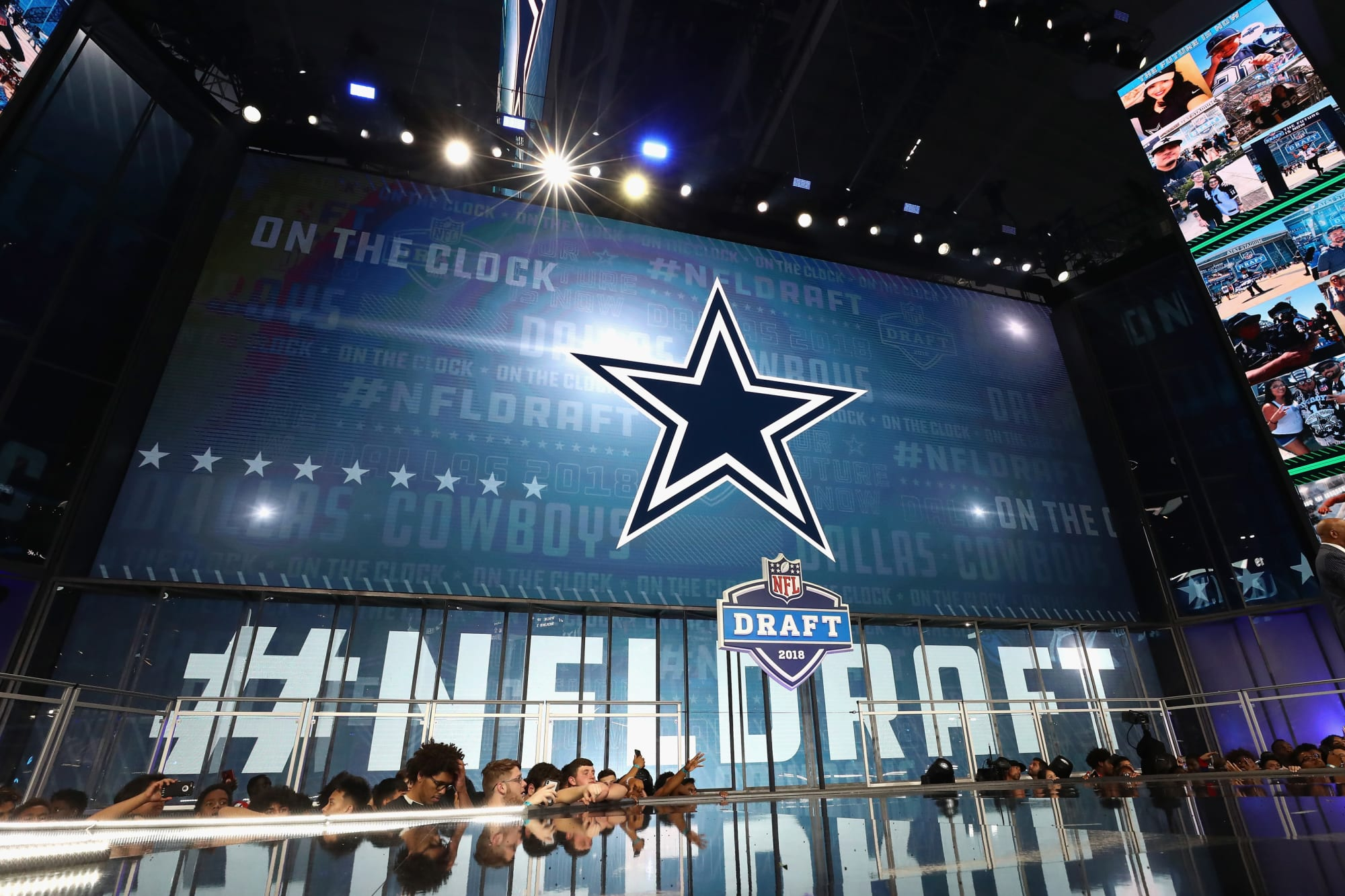 Dallas Cowboys: A possible trade package to move back in the first round