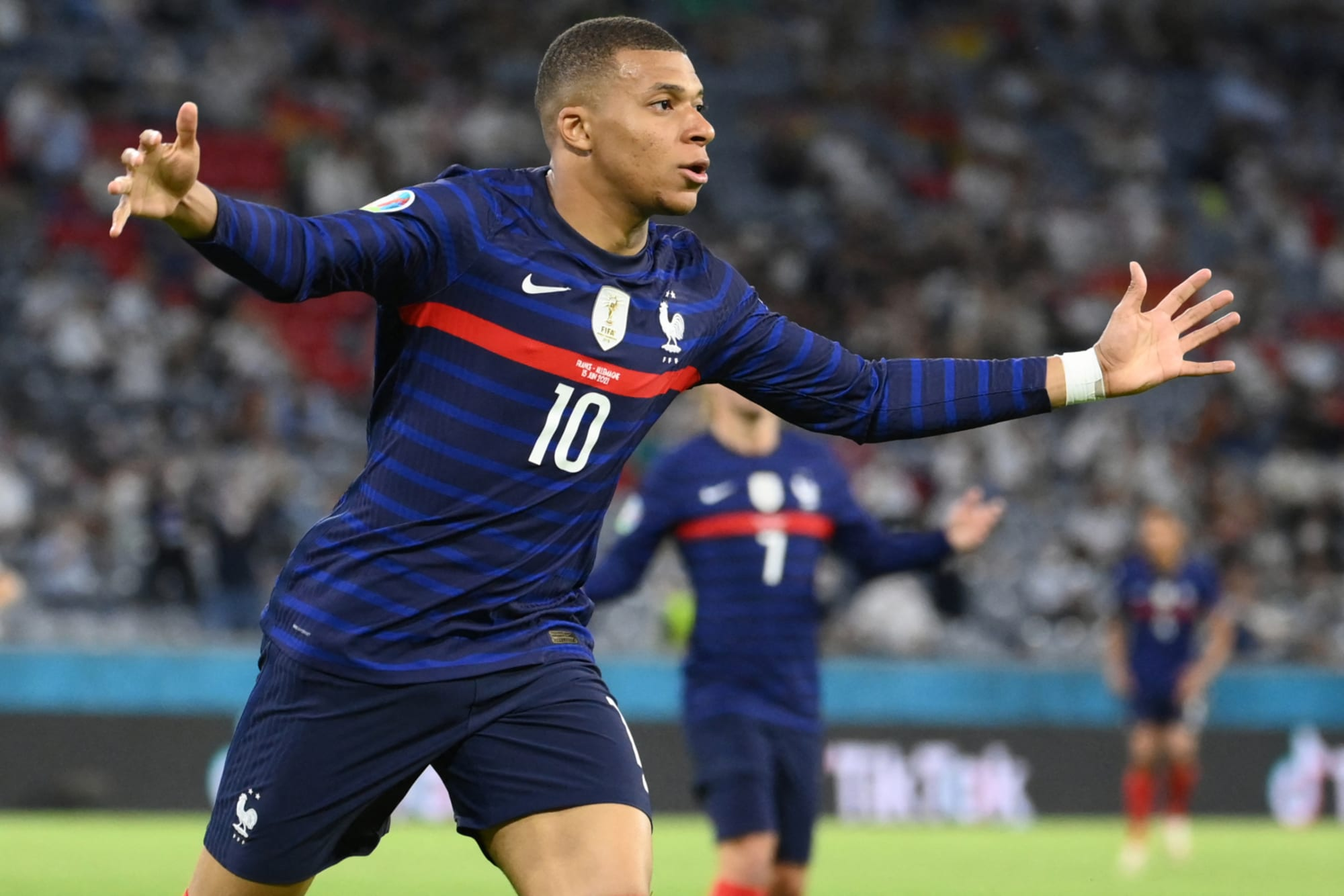 Real Madrid Transfers: Why PSG could be gaining an advantage for Kylian Mbappe