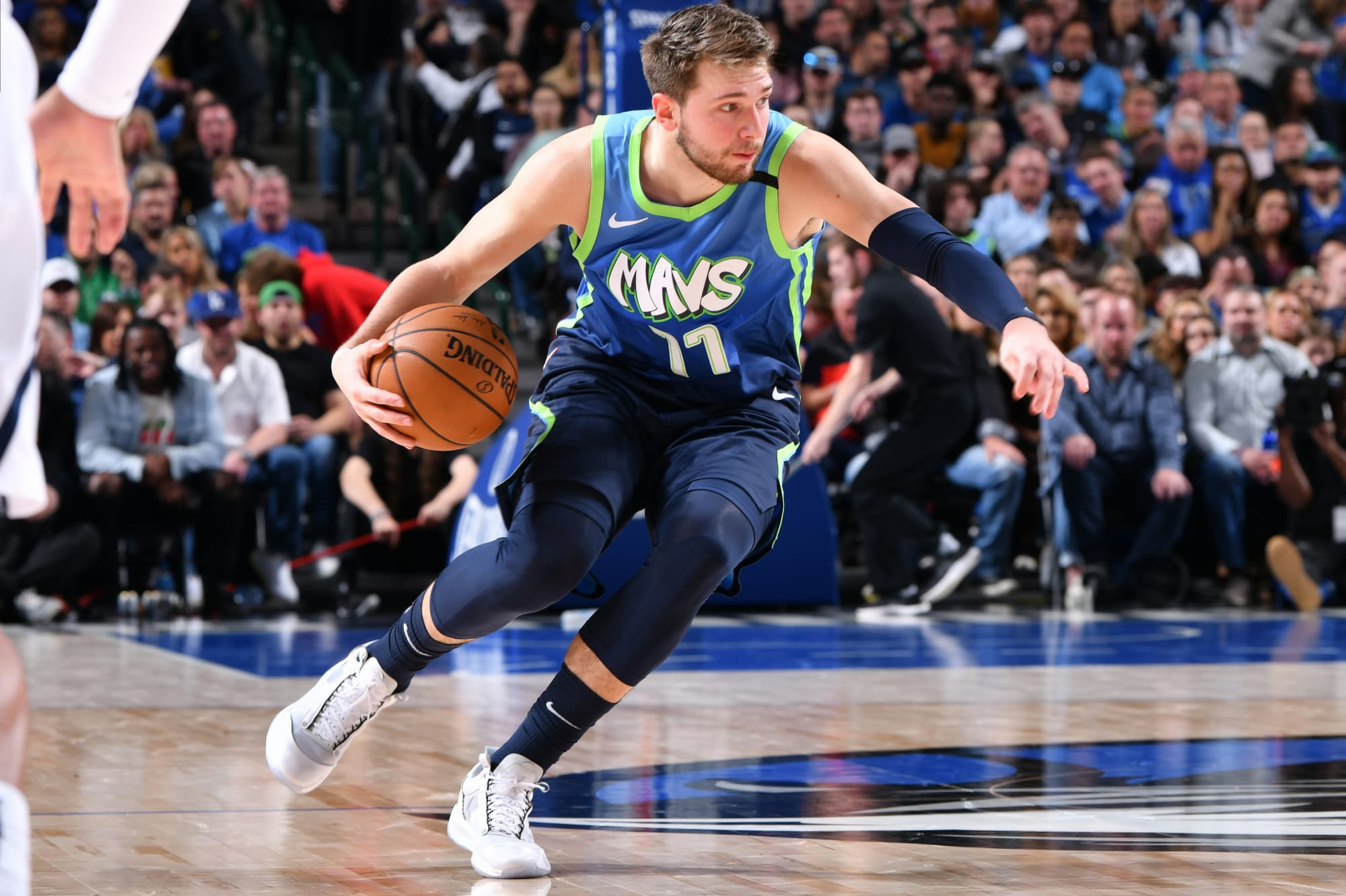 Mavericks: Luka Doncic produced four of top 100 crossovers this season